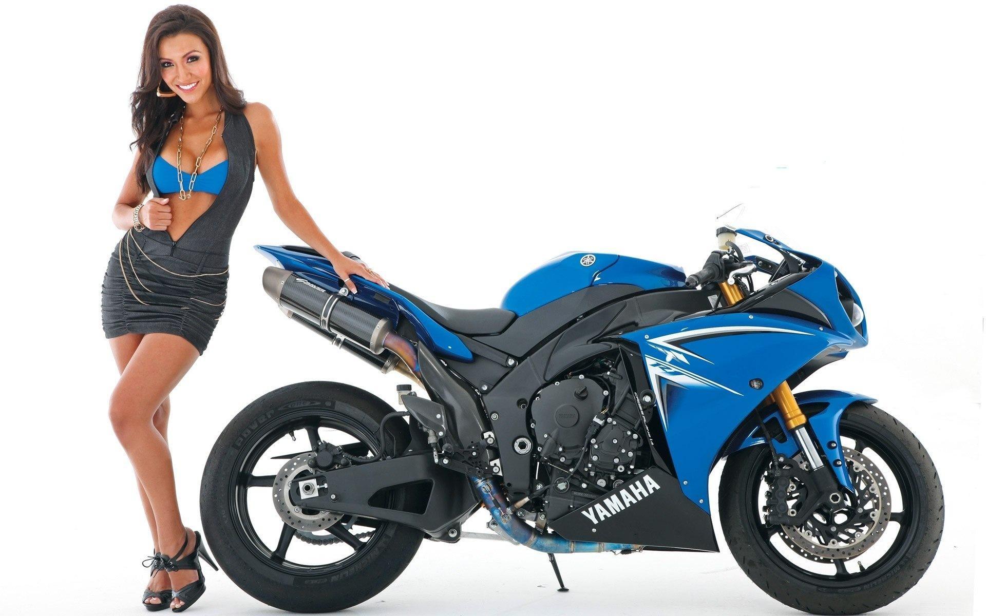 Girls & Motorcycles #17