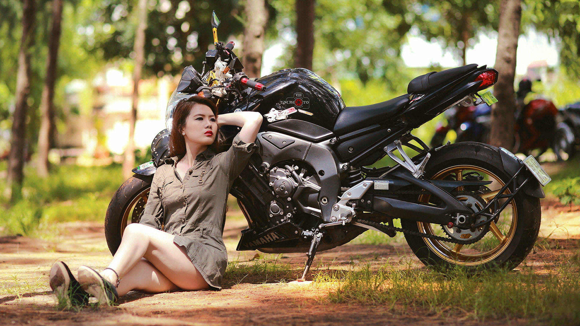 Girl with Bike Wallpaper Images
