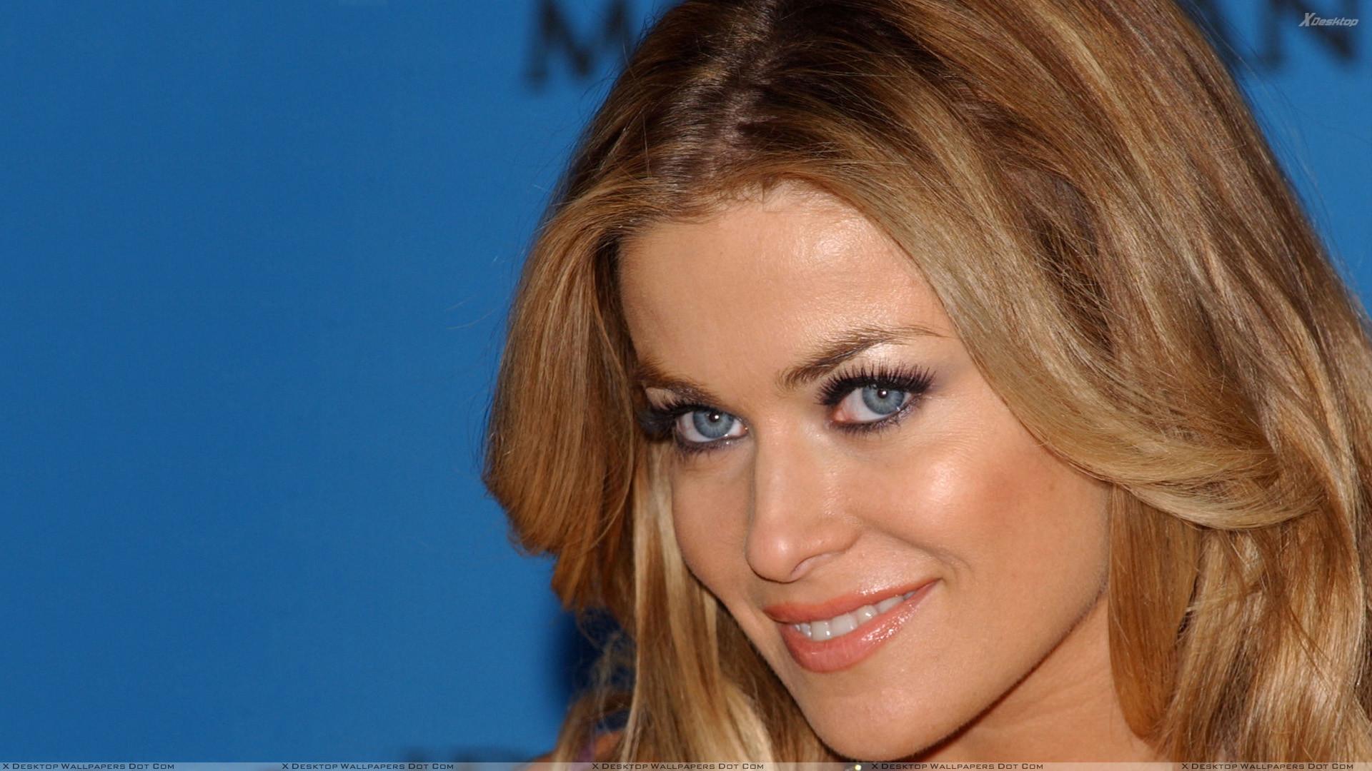 Carmen Electra Smiling Sweet Face Closeup