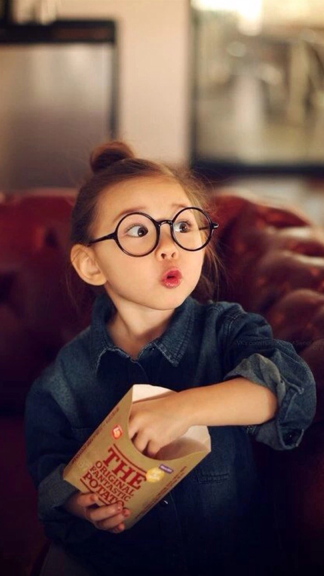 Cute Amazing Expression Little Girl #iPhone #6 #plus #wallpaper