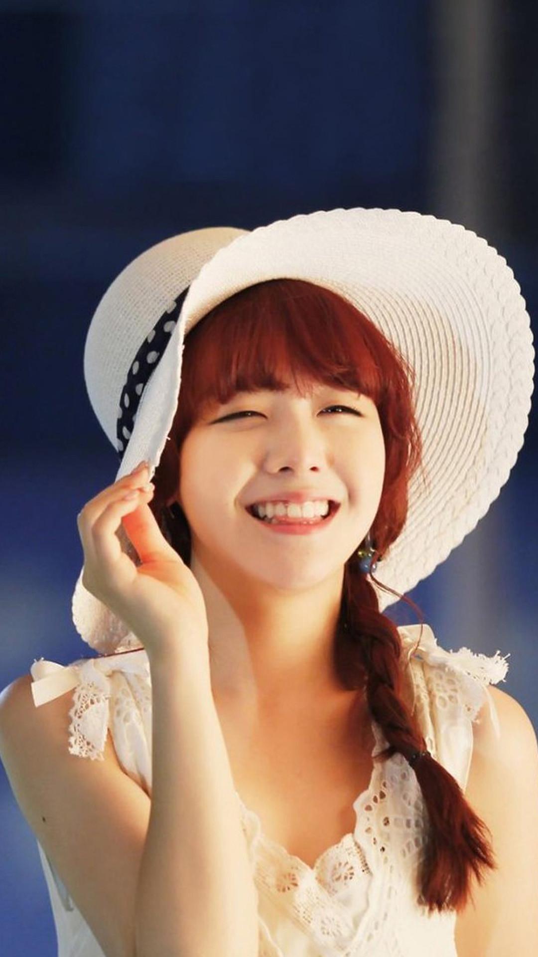Hat girl LG G2 Wallpapers