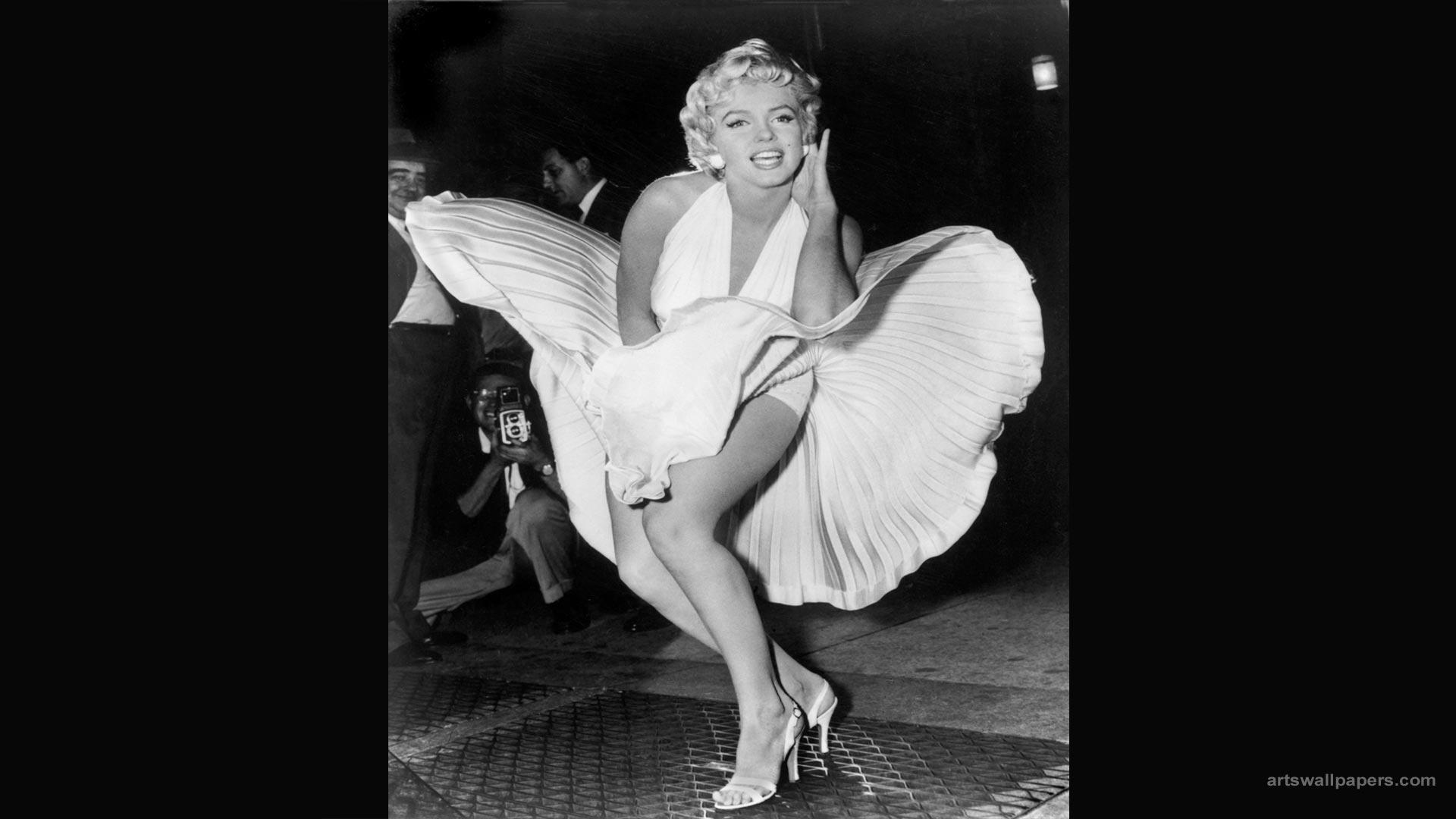 Sexy-Marilyn-Monroe-Wallpaper