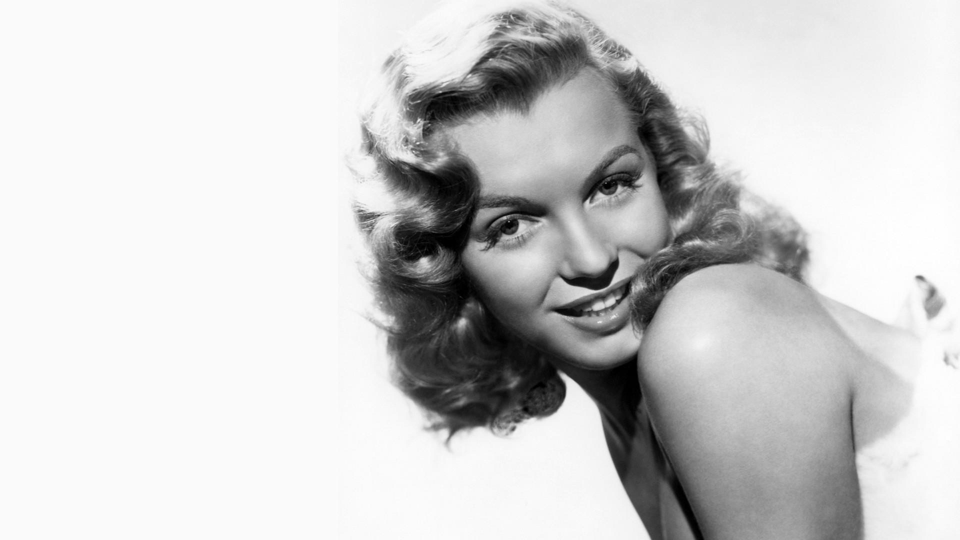 Marilyn Monroe Wallpaper 2901