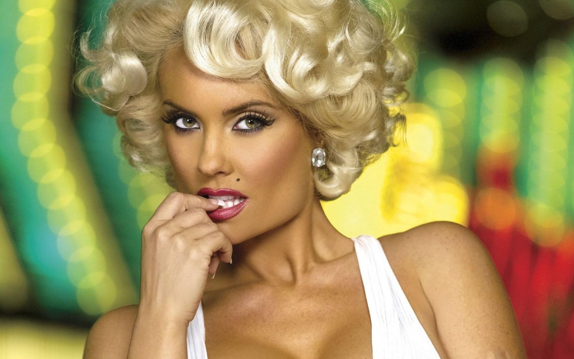 Coco Austin Marilyn Monroe Wallpaper