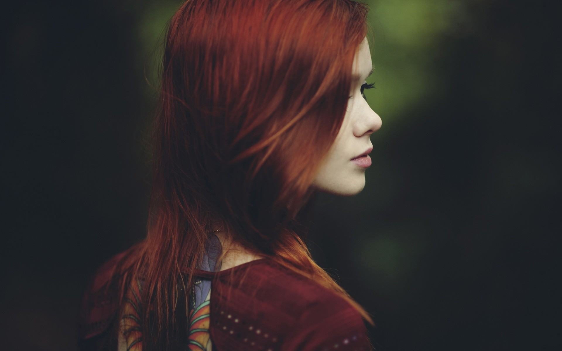 Lovely Redhead | Full HD Pictures