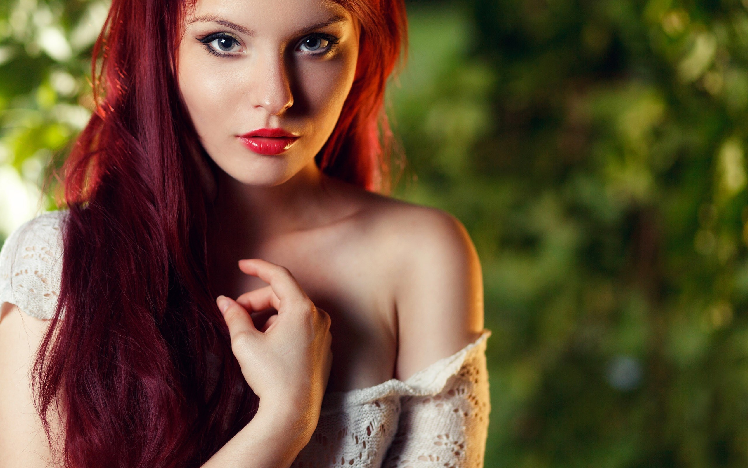 Preview wallpaper redhead, girl, face, make-up 2560×1600