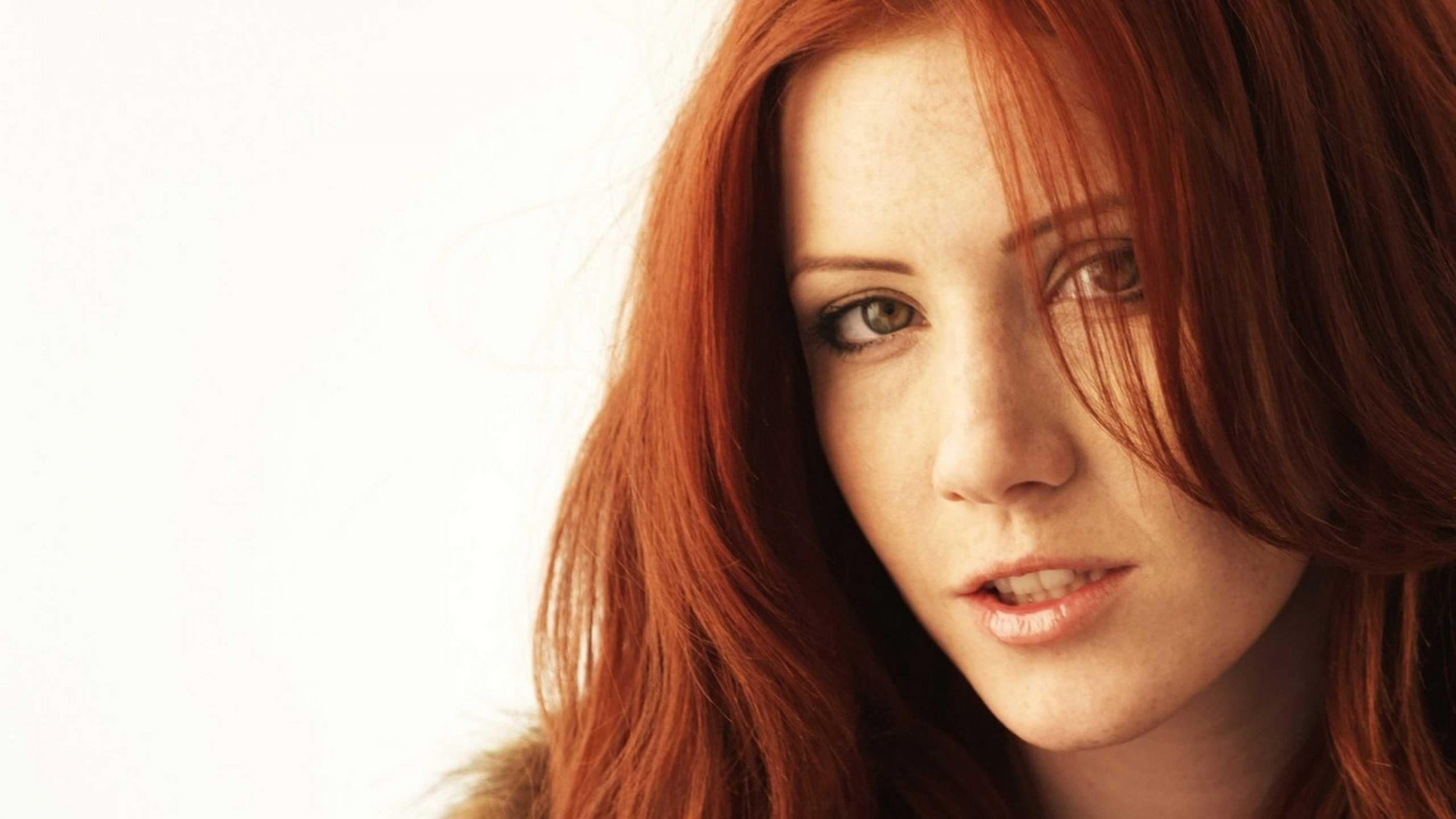 Preview wallpaper redhead, girl, face, eyes 3840×2160