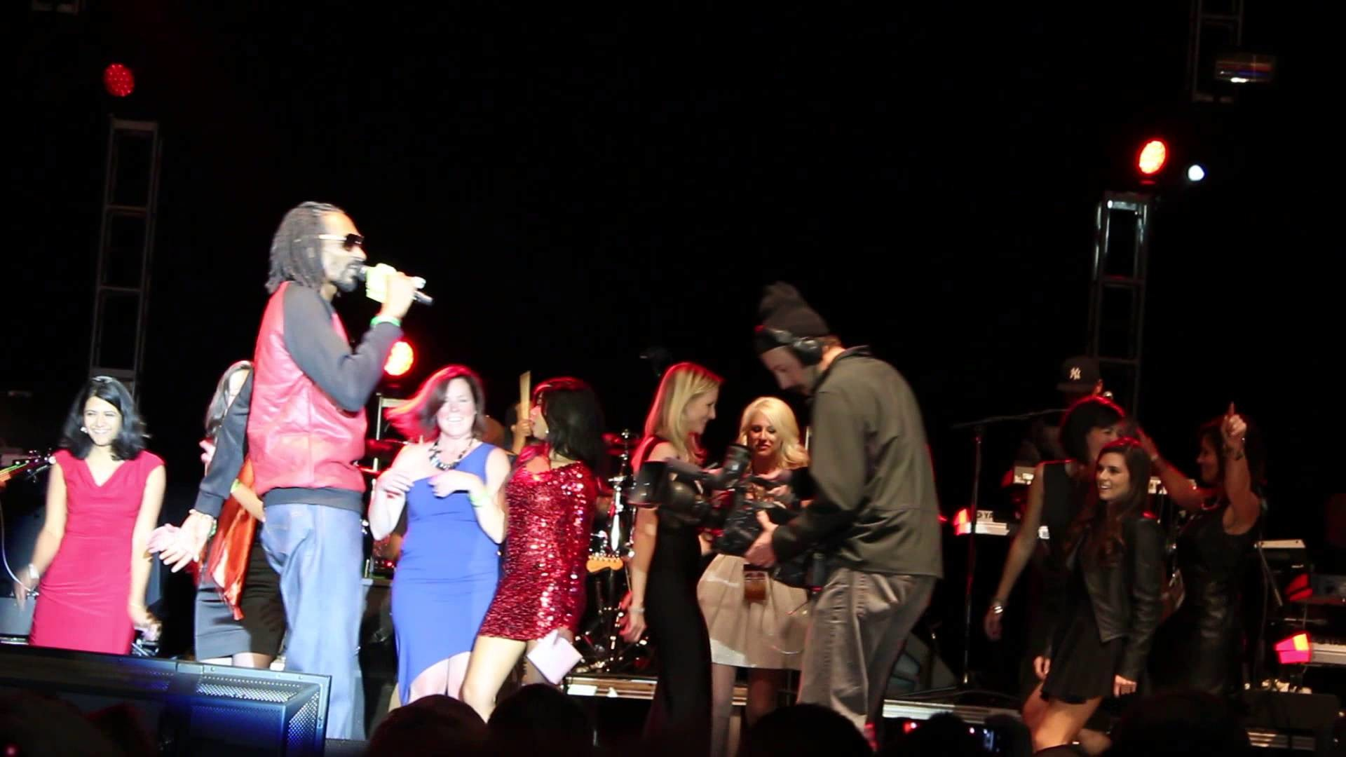 Snoop Dog – Danica Patrick – Favorite Girl – Go Daddy Holiday Party 2013