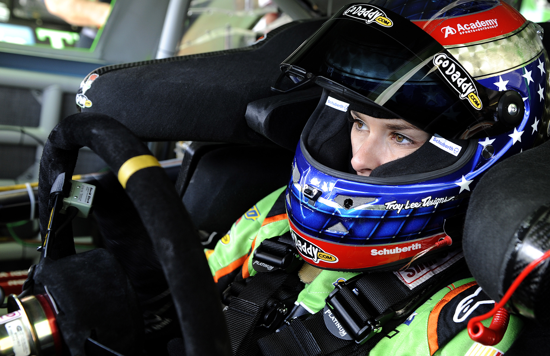 "RACE REPORT: Danica Patrick (17th) | Phoenix – Advocare 500k | ""Career"