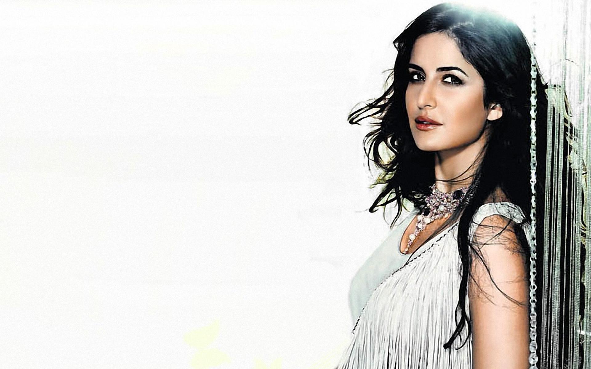 hot actress katrina kaif high definition wallpaper for desktop background