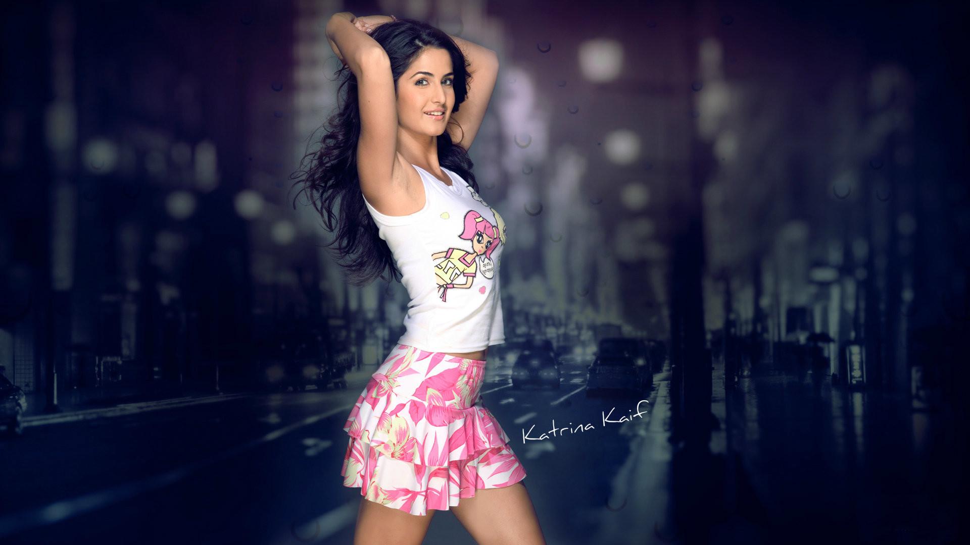 Pretty Bollywood Girl Katrina Kaif HD Wallpaper