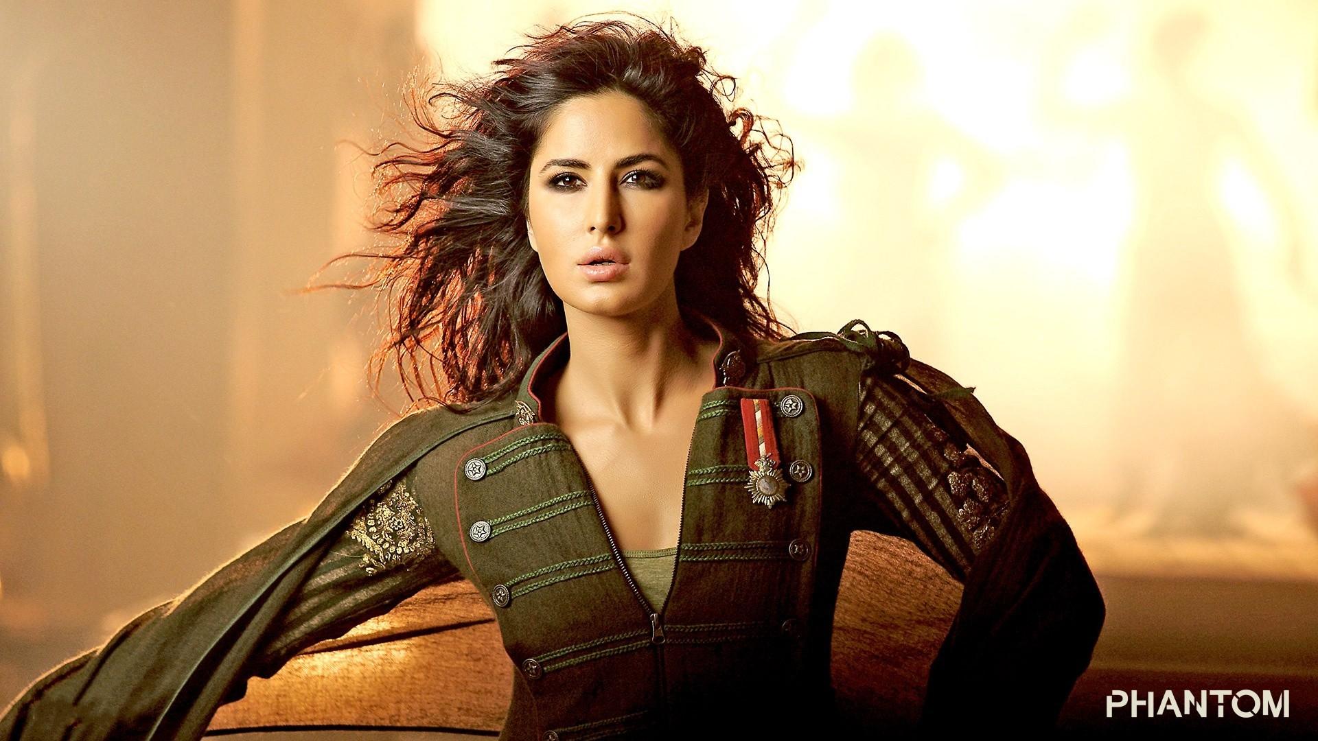 Celebrities / Indian / Katrina Kaif Wallpaper