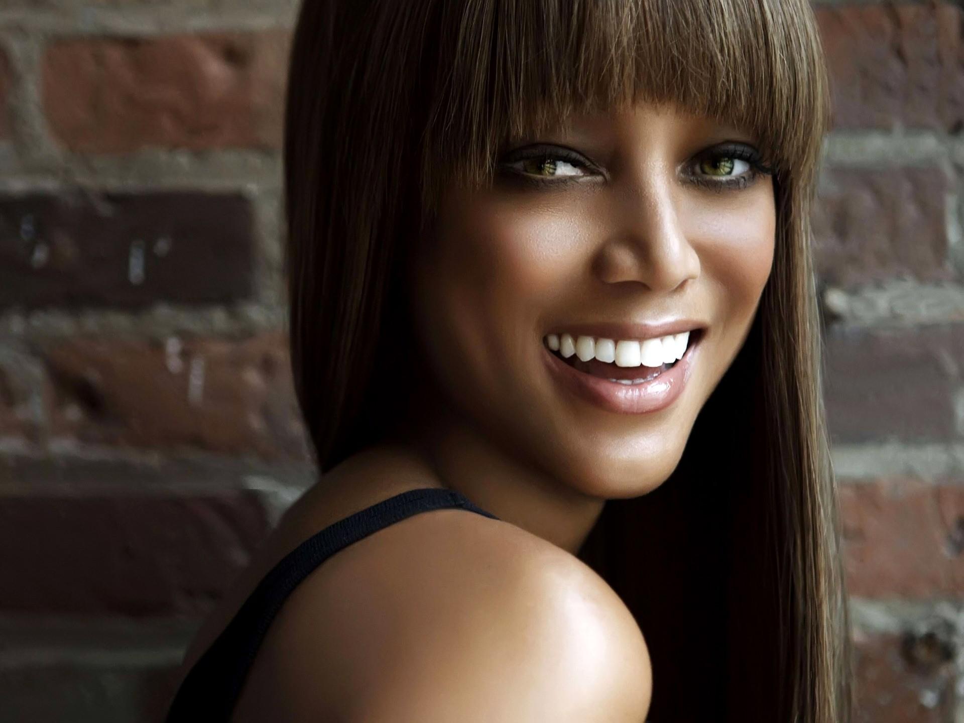 Tyra Banks Smile Wallpaper Tyra Banks Female celebrities