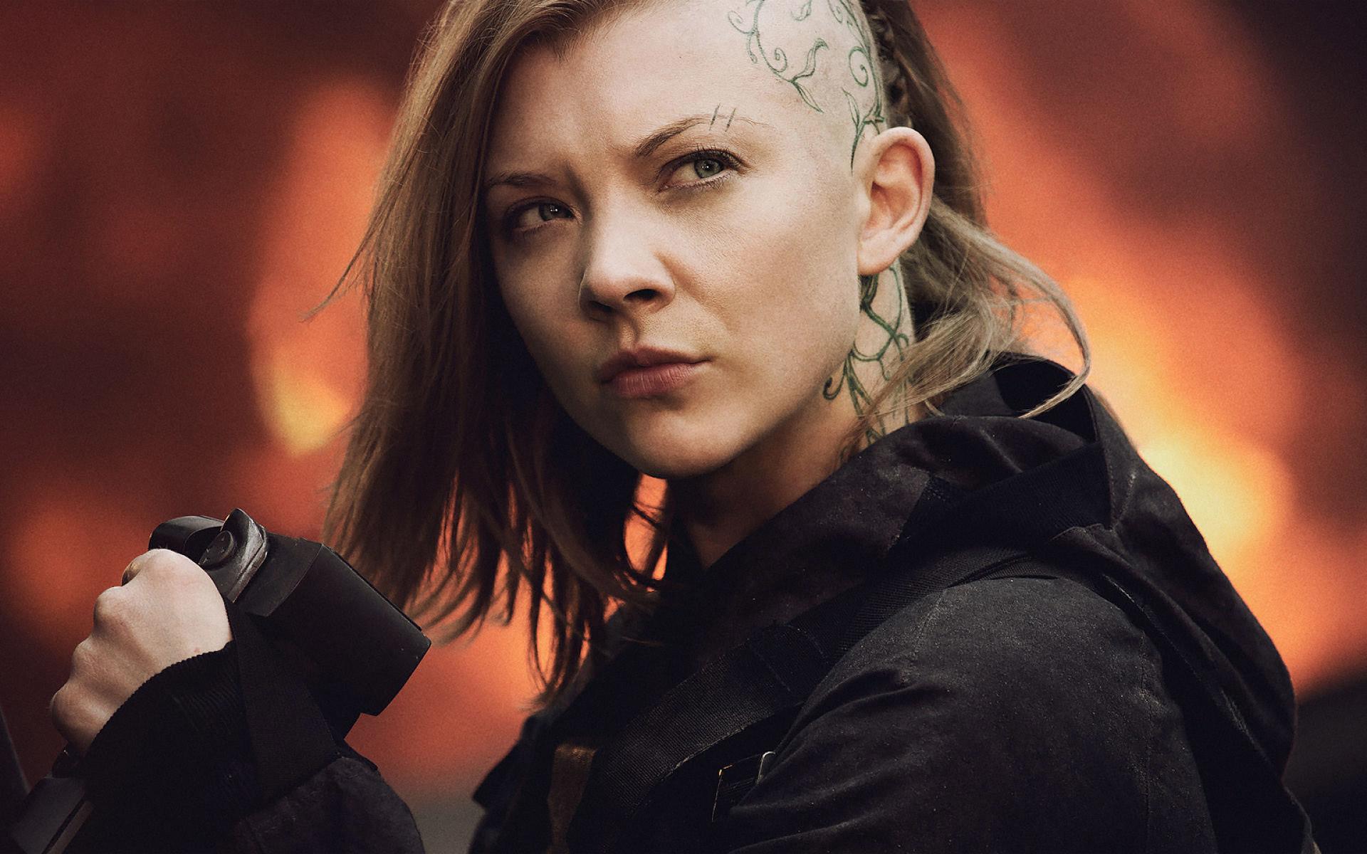 Natalie Dormer As Cressida In Mockingjay Part 1 Wallpaper