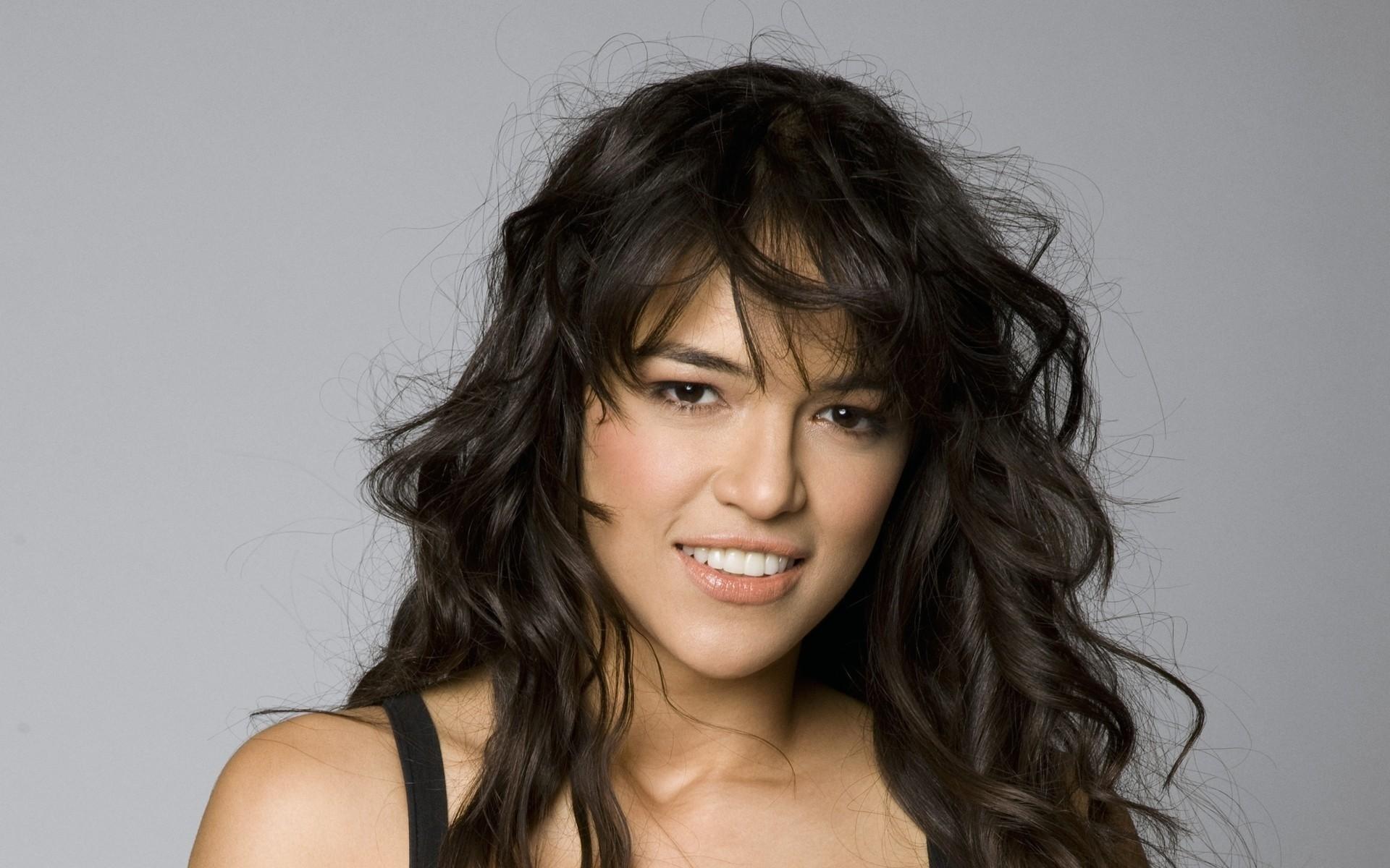 … Michelle Rodriguez (5) …