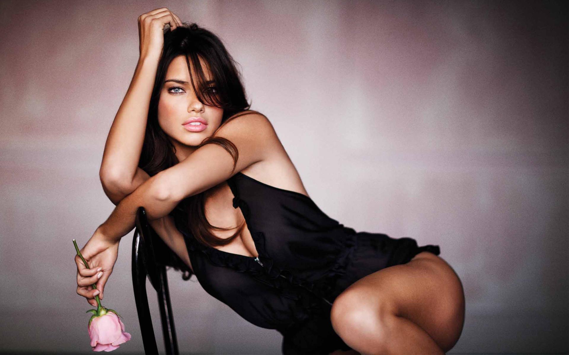 Adriana Lima Wallpaper HD