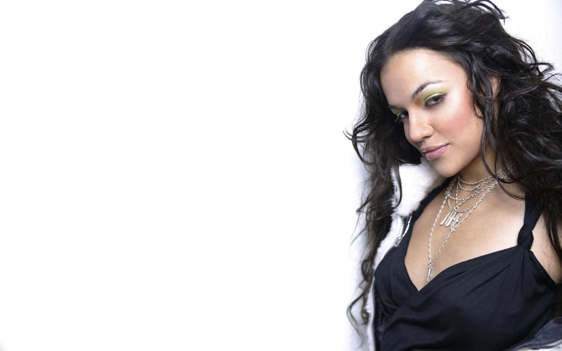 Michelle Rodriguez wallpapers for iphone