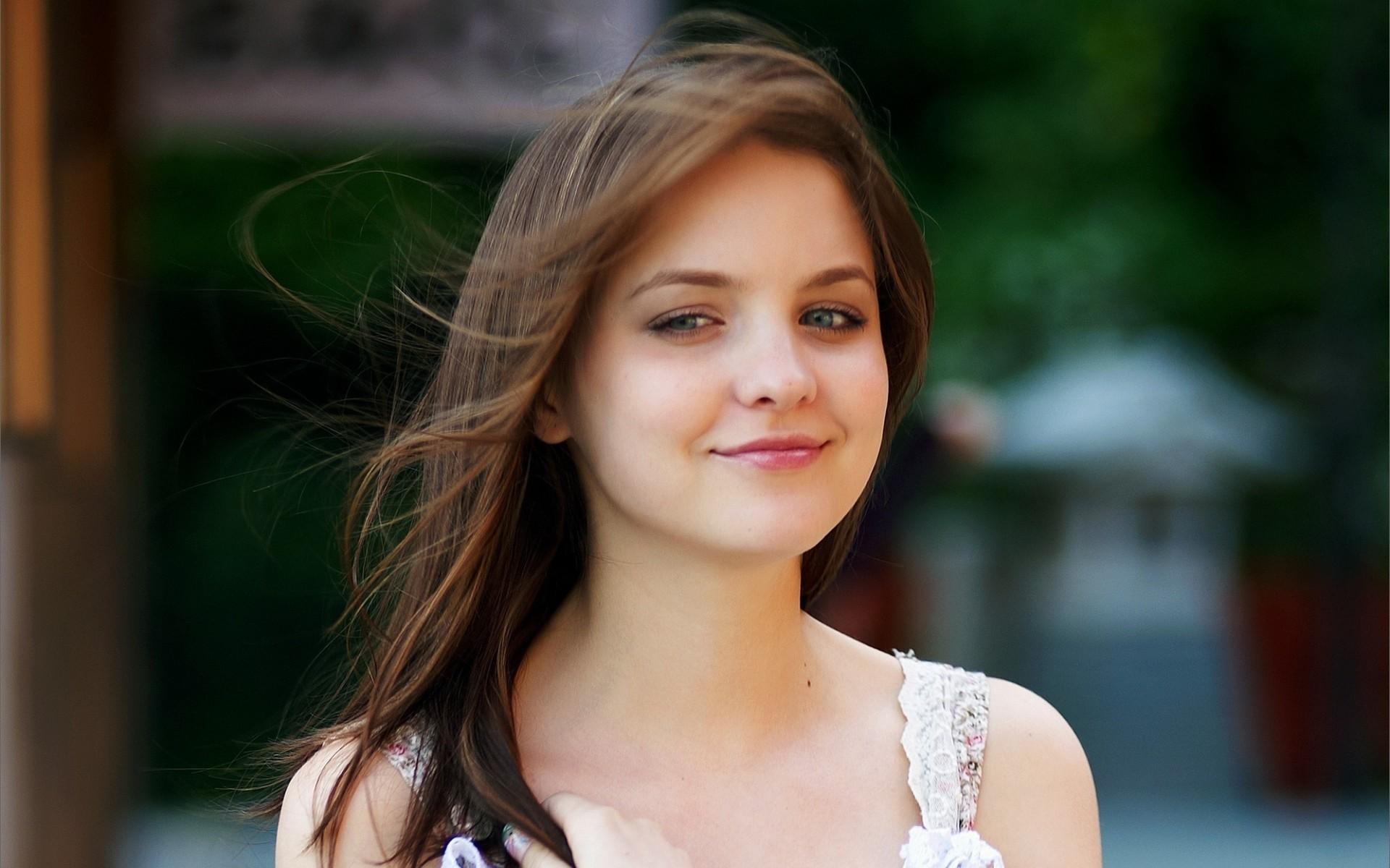 Filename: vWJiq3.jpg · view image. Found on: cute-teen-girl-wallpapers/