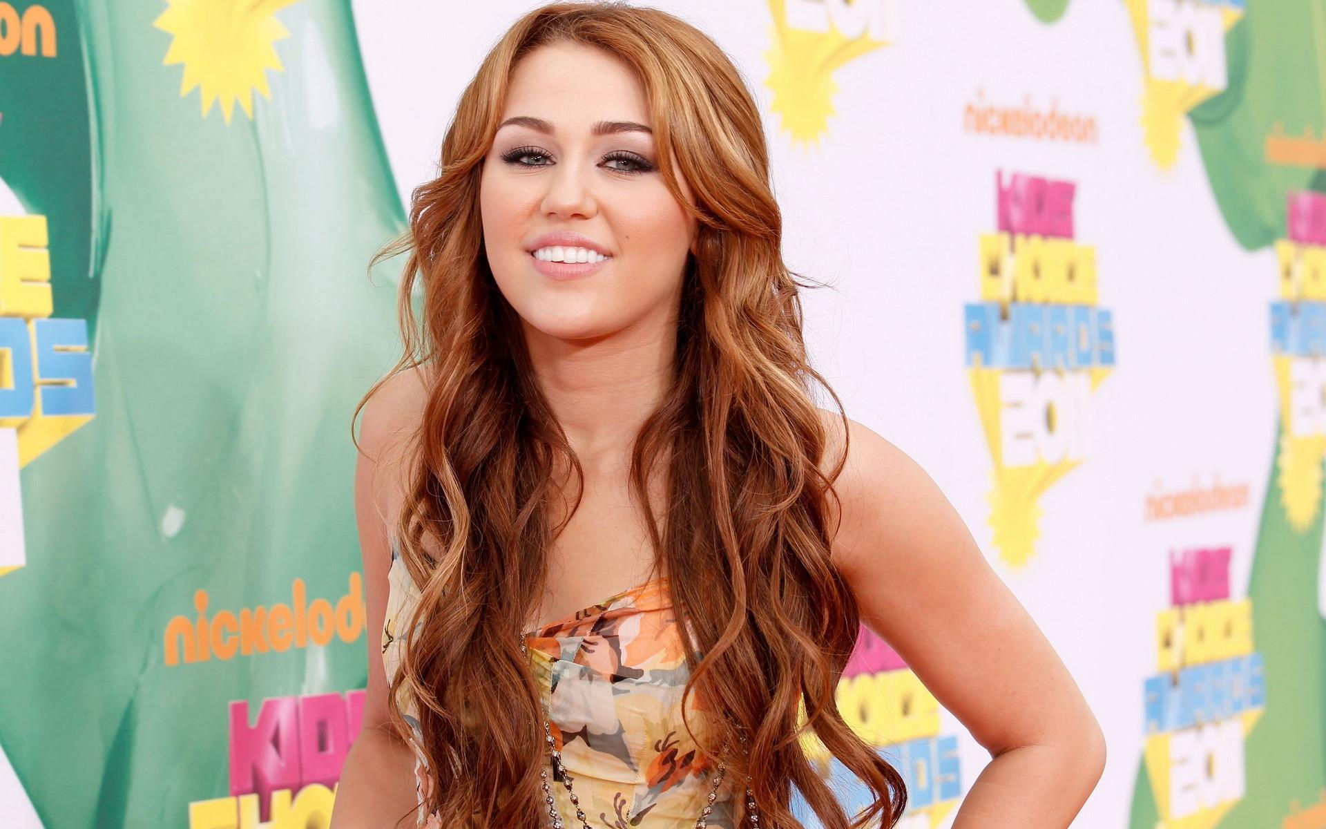 Miley Cyrus HD Desktop Wallpapers | Hot miley cyrus | miley songs | miley  album |