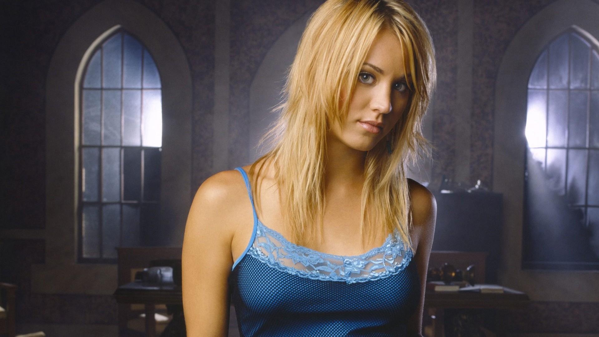 Celebrity – Kaley Cuoco Beautiful Woman Girl Cute Wallpaper