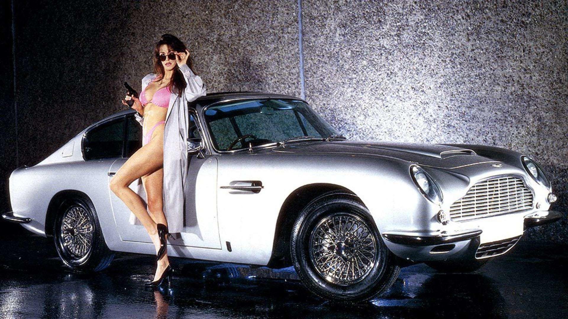 sexy girl car wallpaper