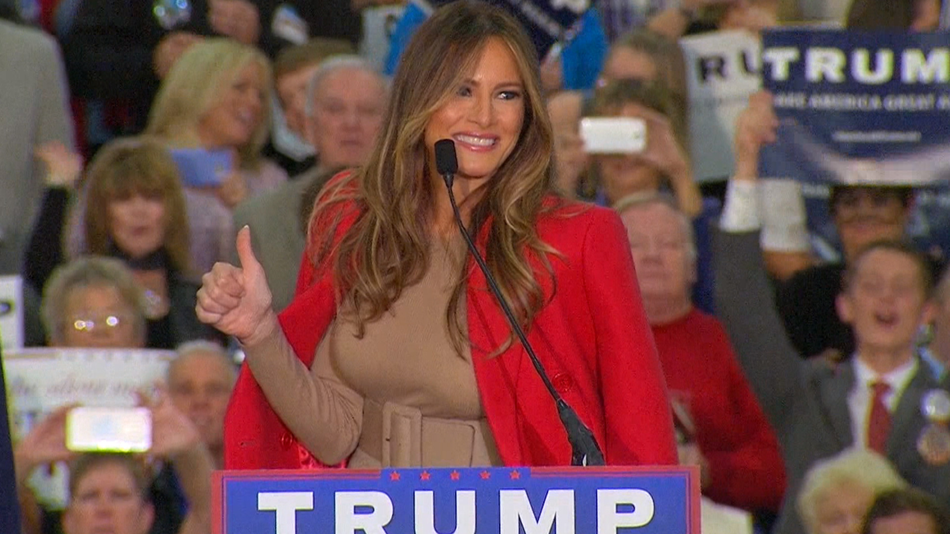 Donald Trump's wife, family joins him on the campaign trail – TODAY.com