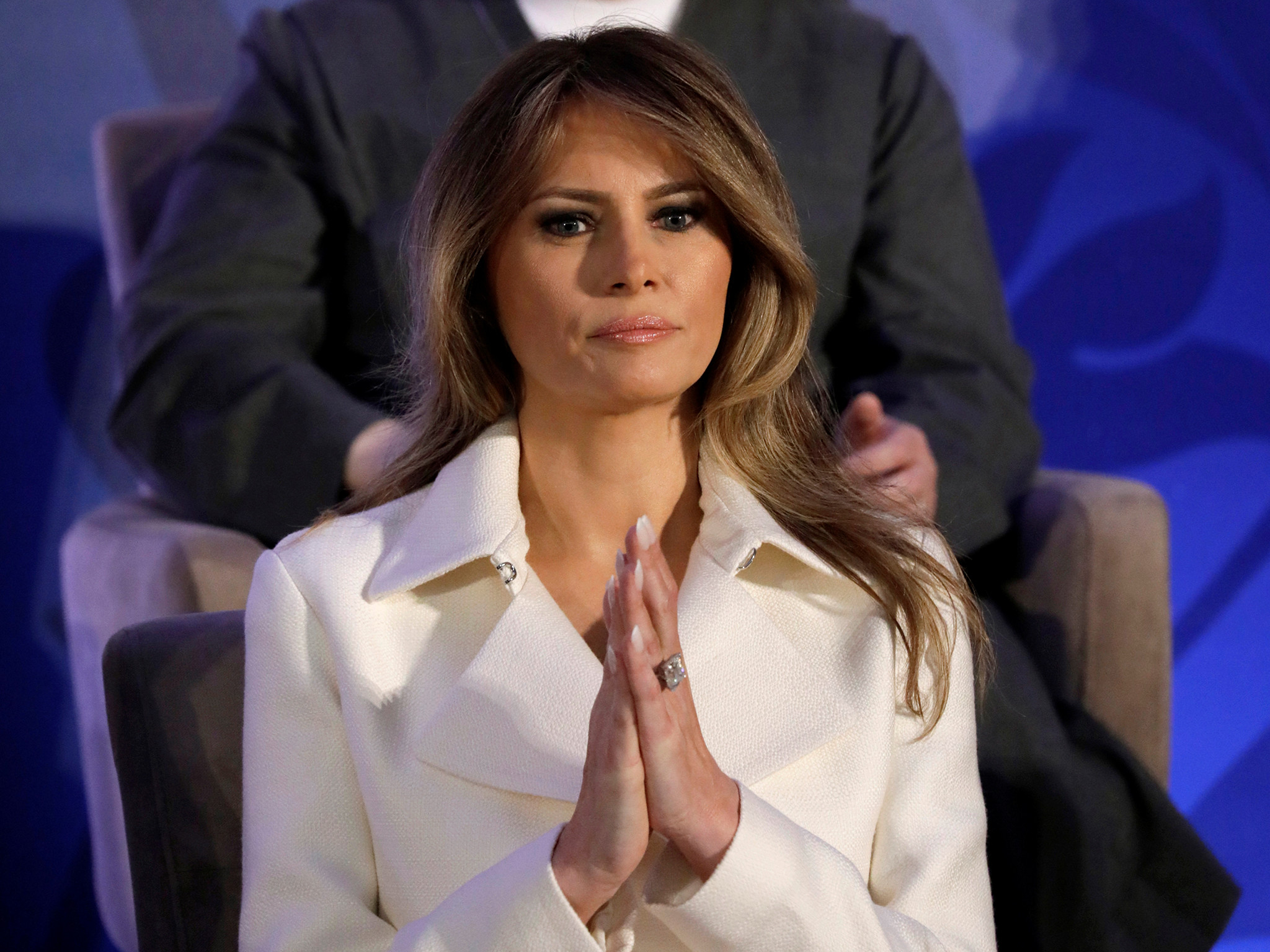 Melania Trump's Twitter account 'likes' tweet showing her smile vanish at  inauguration   The Independent