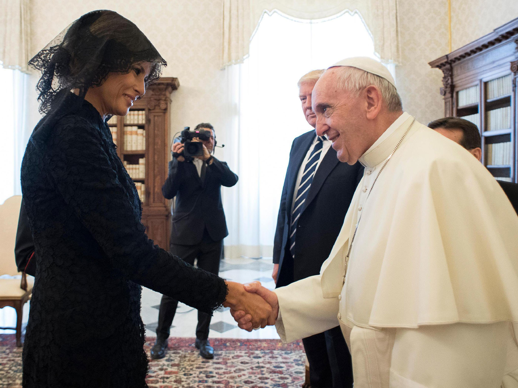 Pope jokes that Melania Trump feeds her husband Slovenian cake during  Vatican meeting   The Independent
