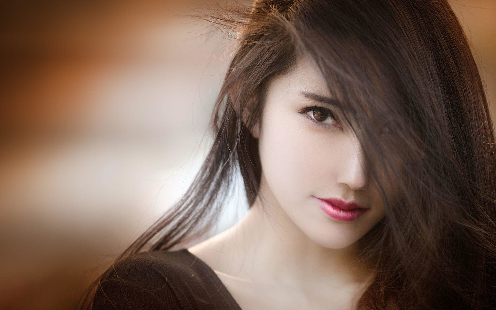 Most Beautiful Girls Wallpapers
