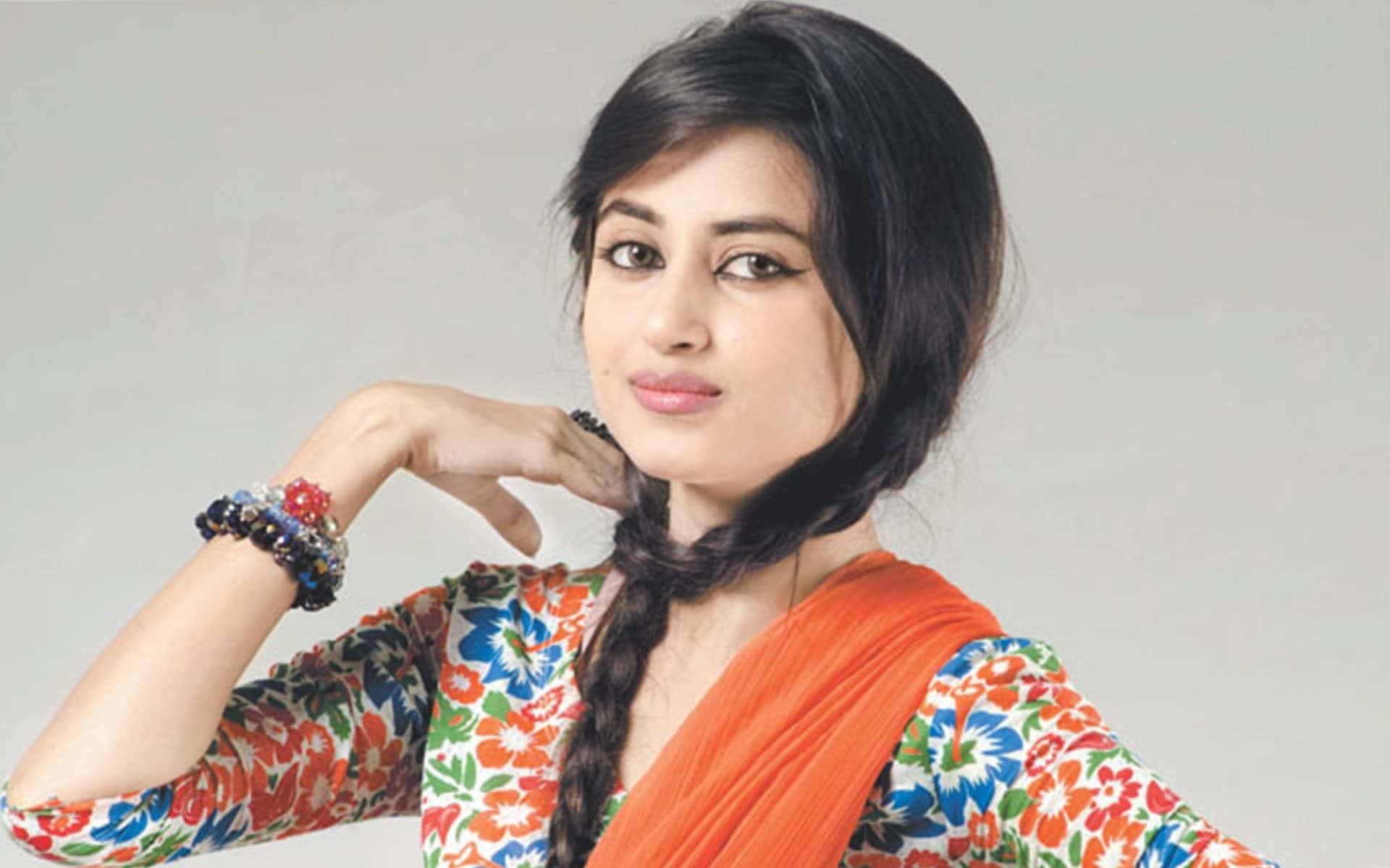 Beautiful Pakistani Girl HD Wallpapers