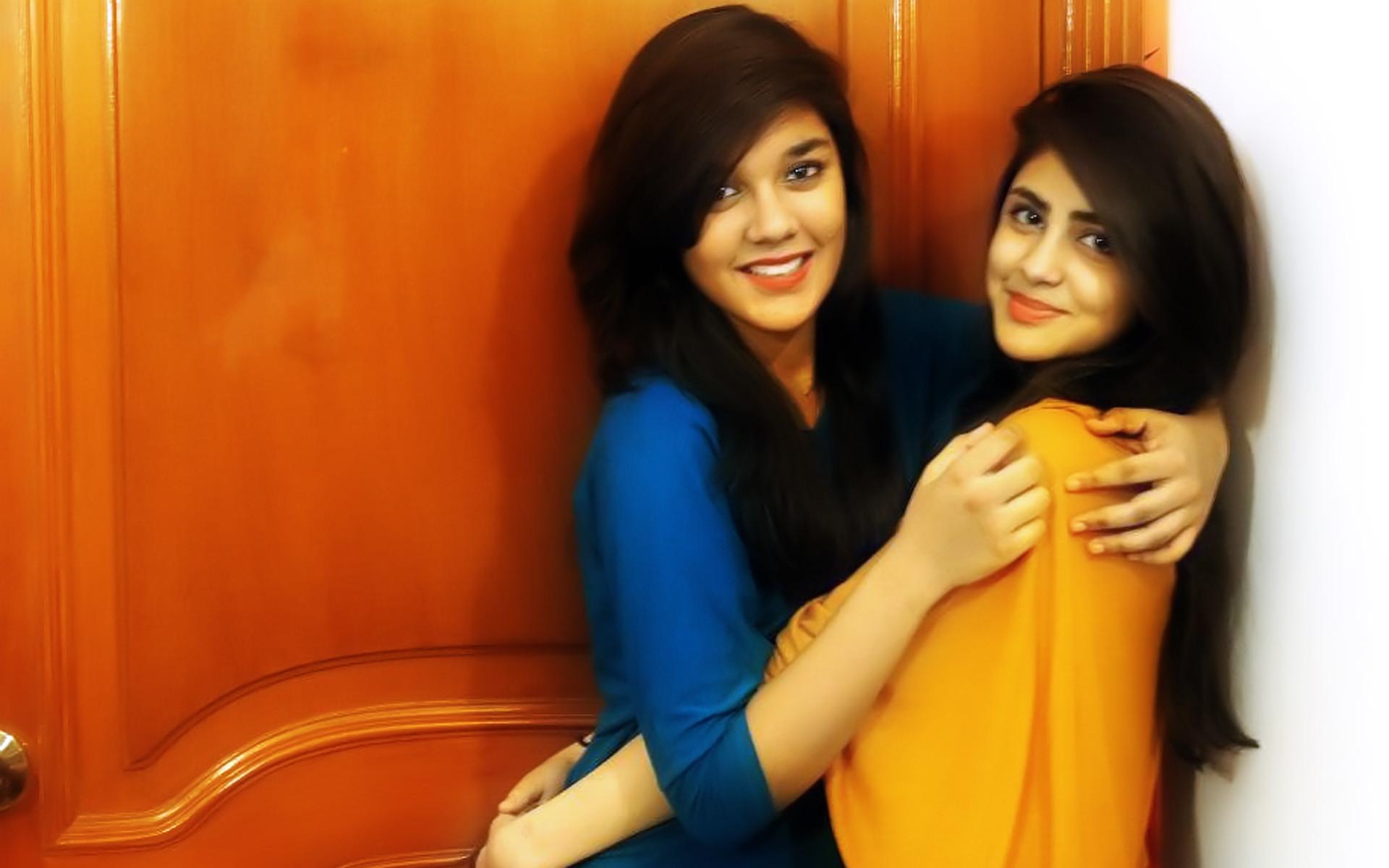 Pakistani Dashing Girls Photos