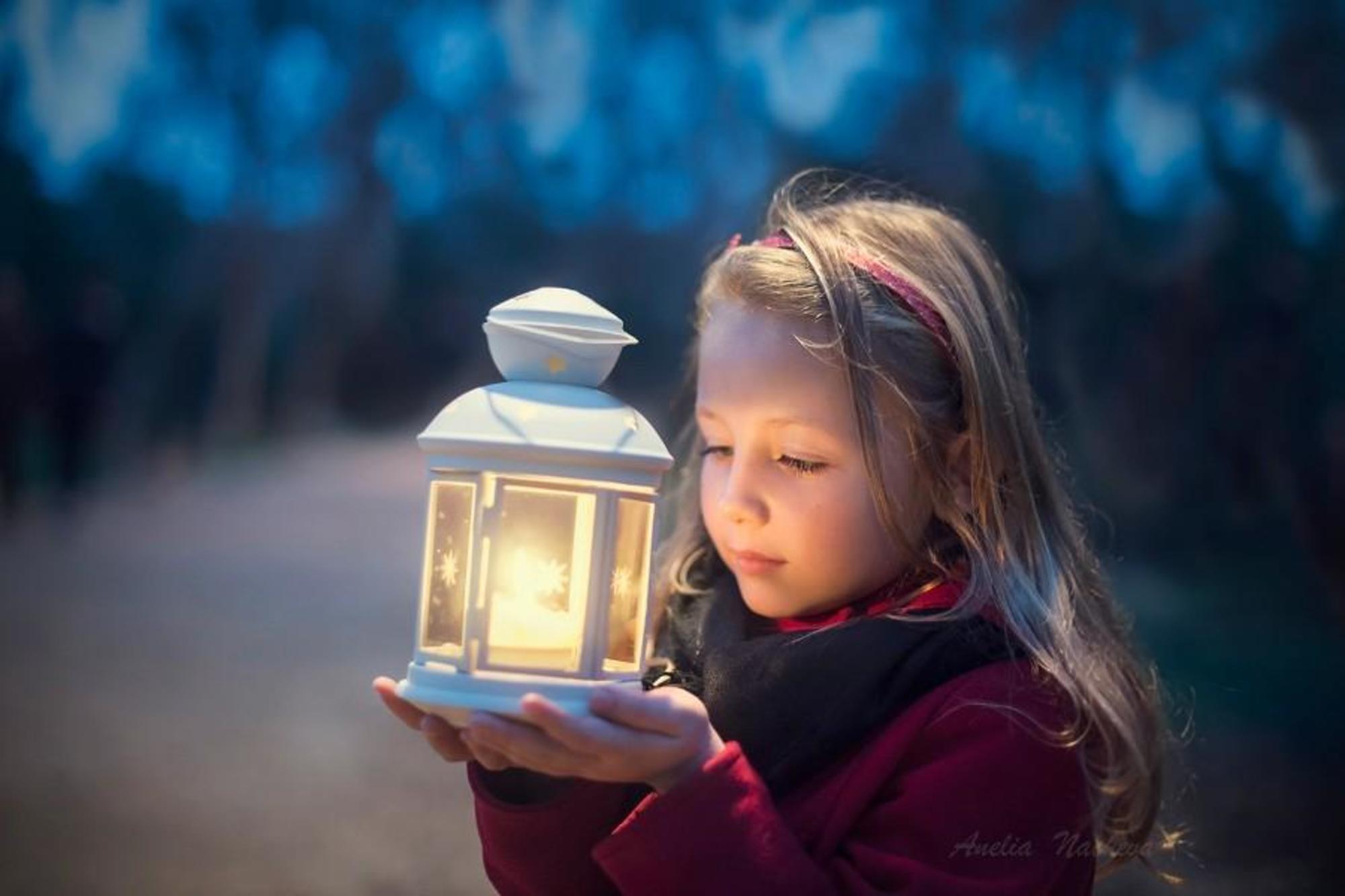 Little Girl Holidays Light HD Wallpaper. Download best Little Girl Holidays  Light HD Wallpaper for