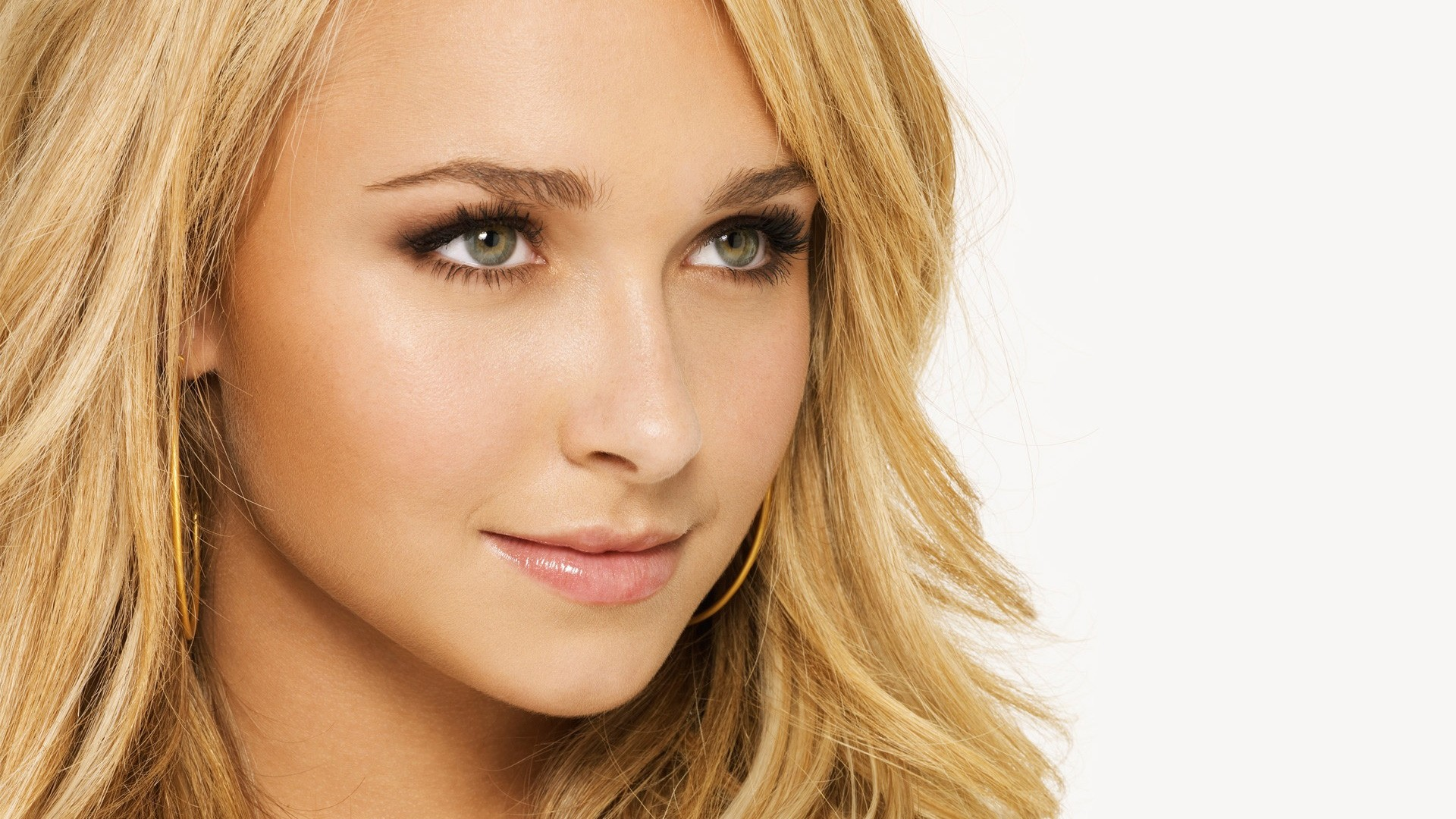 Download now full hd wallpaper hayden panettiere face mascara pretty smile  …