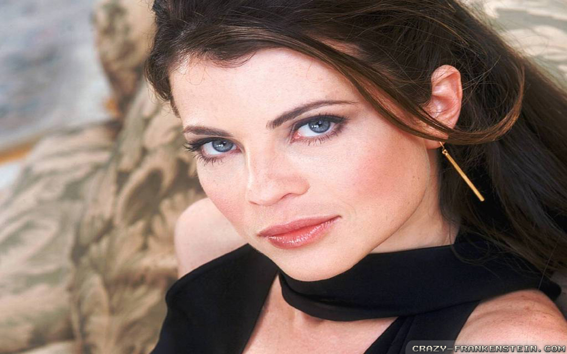 Wallpaper: Yasmine Bleeth pretty face. Resolution: 1024×768 | 1280×1024 |  1600×1200. Widescreen Res: 1440×900 | 1680×1050 | 1920×1200