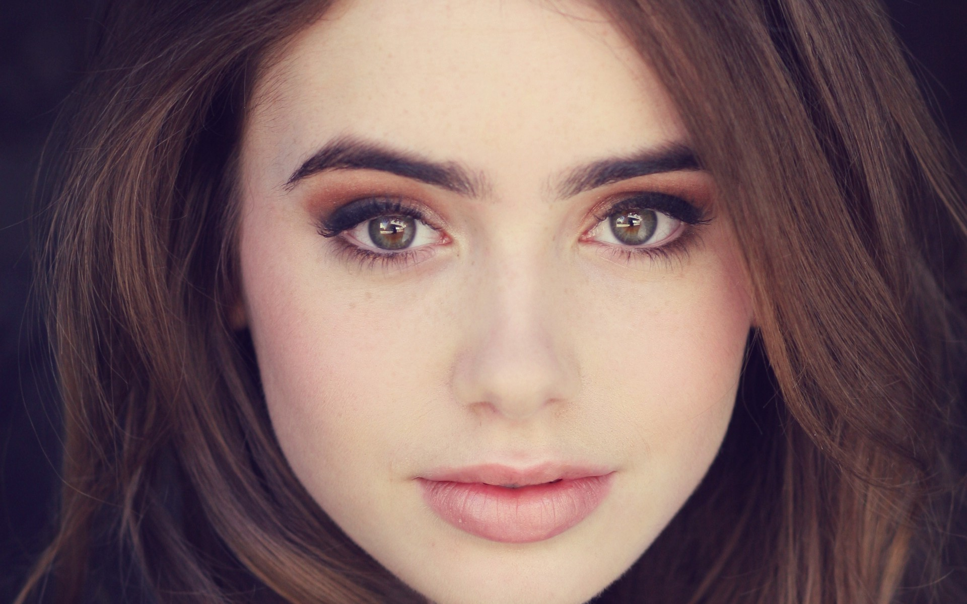Lily Collins Picture