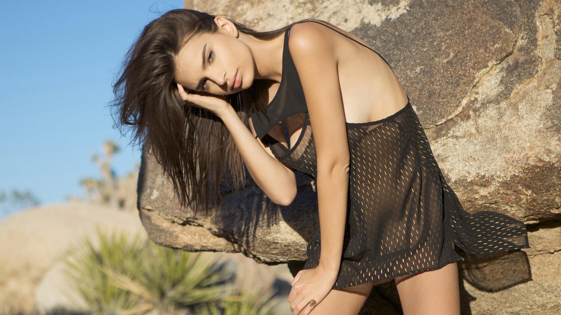 Brunettes Brown Eyes Models Emily Ratajkowski