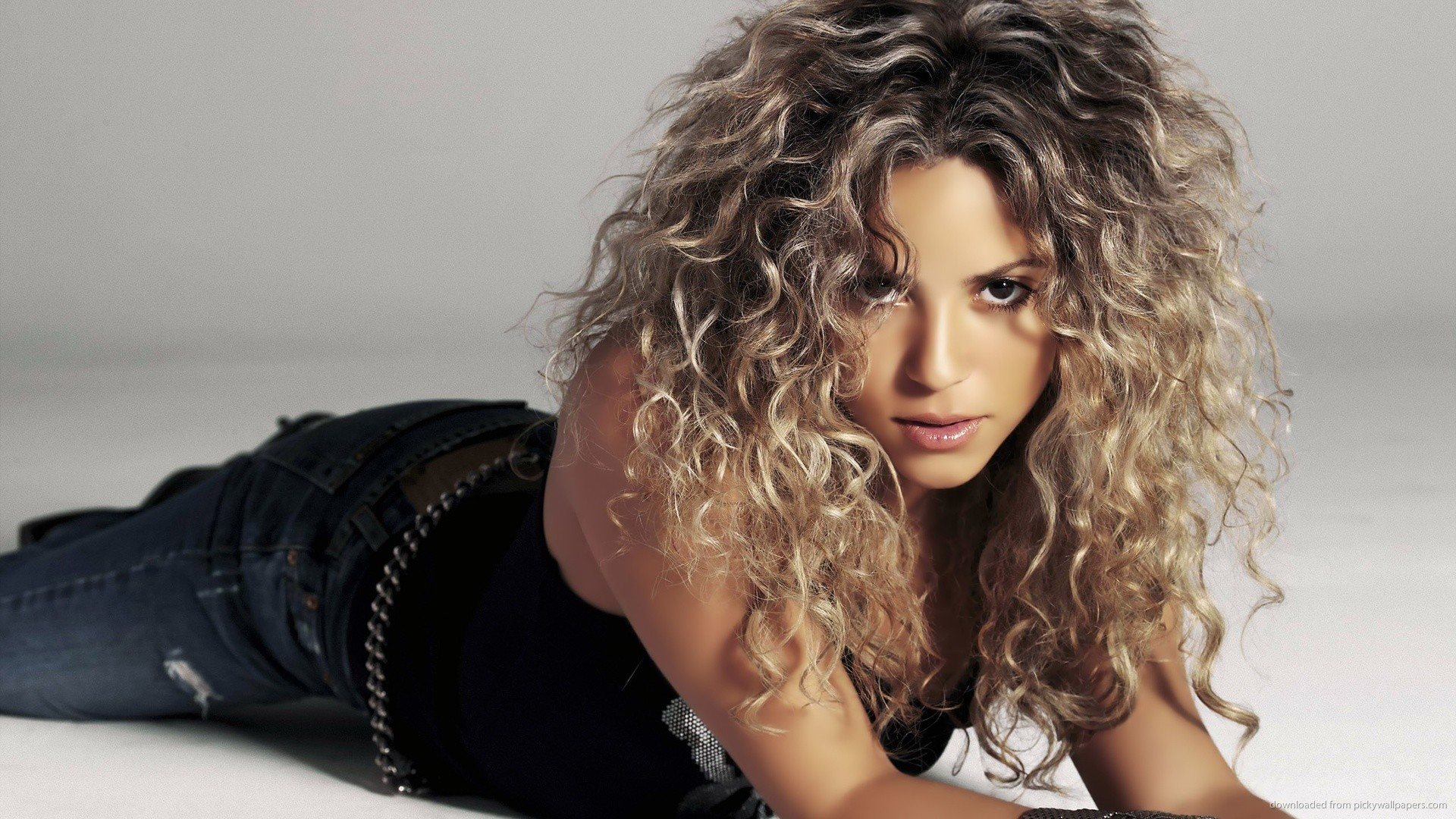 Curly Shakira picture
