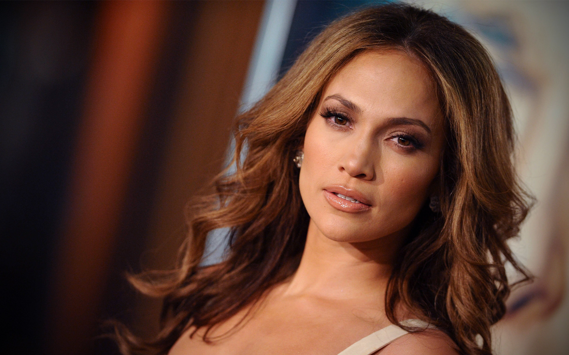 RAGTOLARGE: Jennifer Lopez