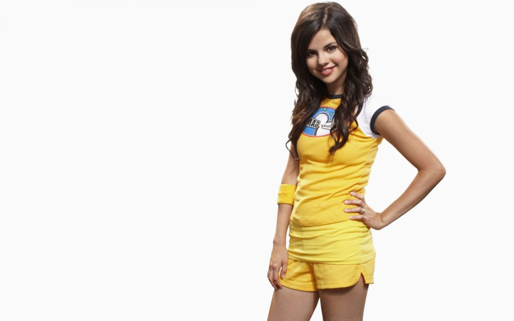 Selena Gomez Wallpapers: 12 HD -03