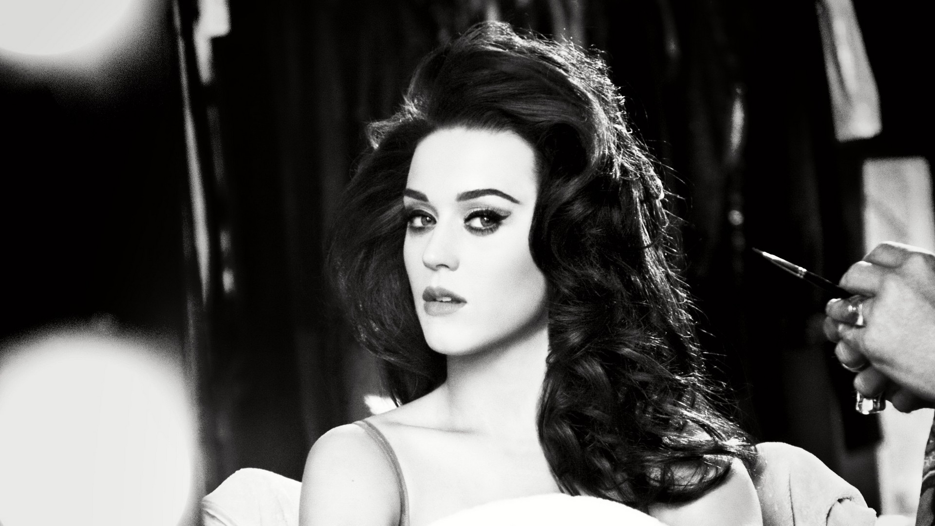 Preview wallpaper katy perry, eyes, face, singer, black and white 1920×1080