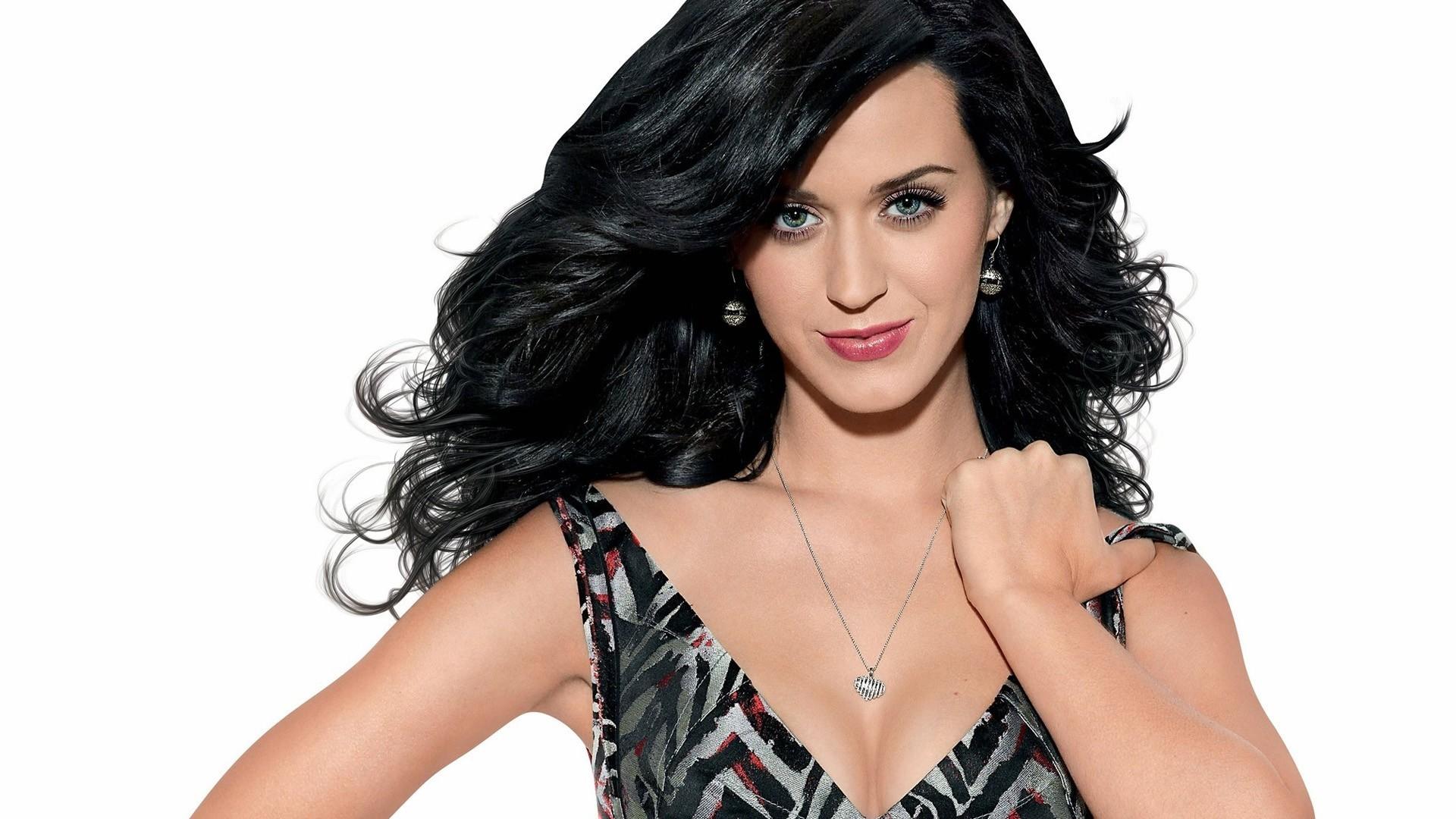… Katy Perry (4) …