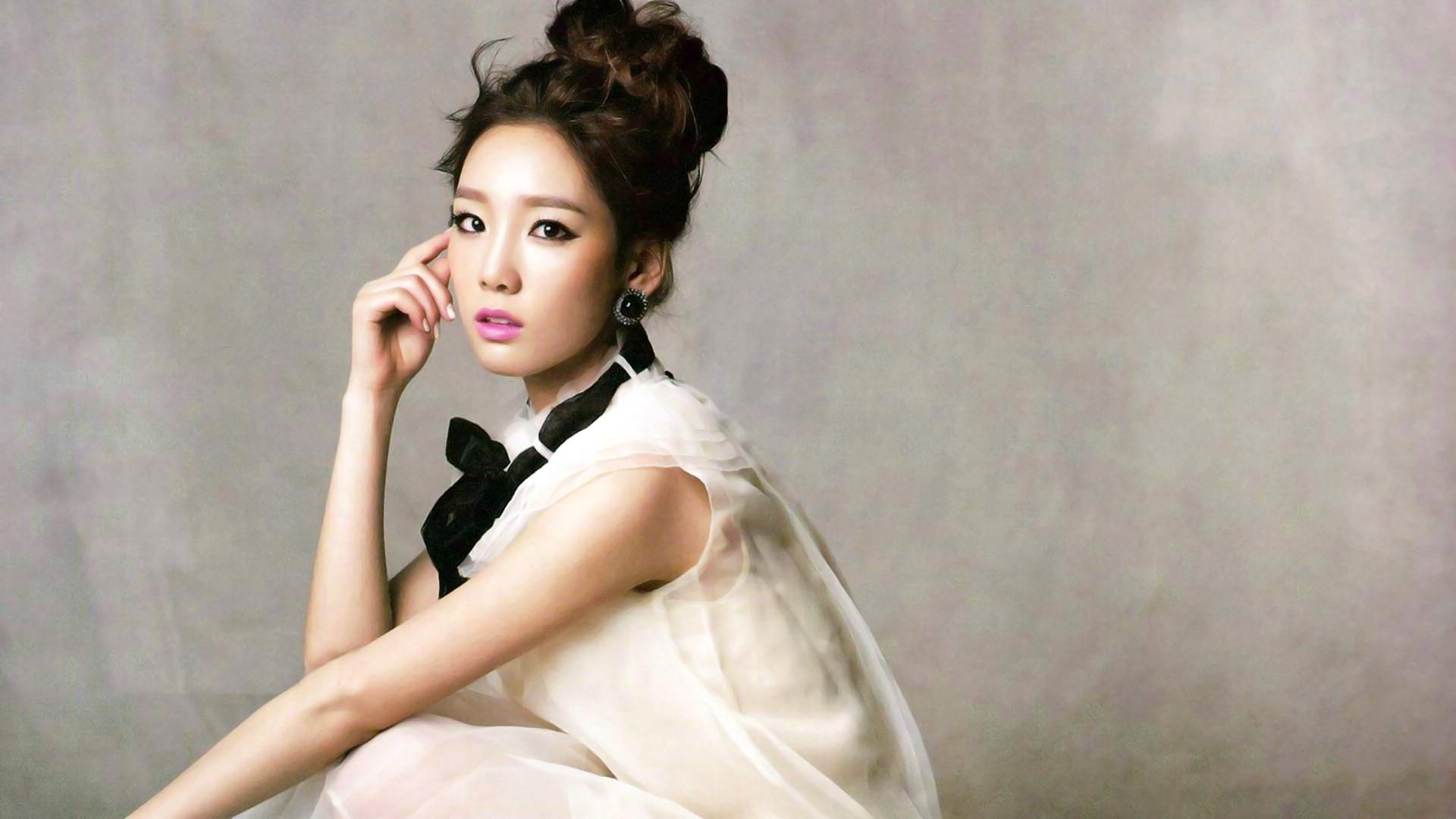 Jessica | Female Celebrities, Music, and Dance Steps | Pinterest .
