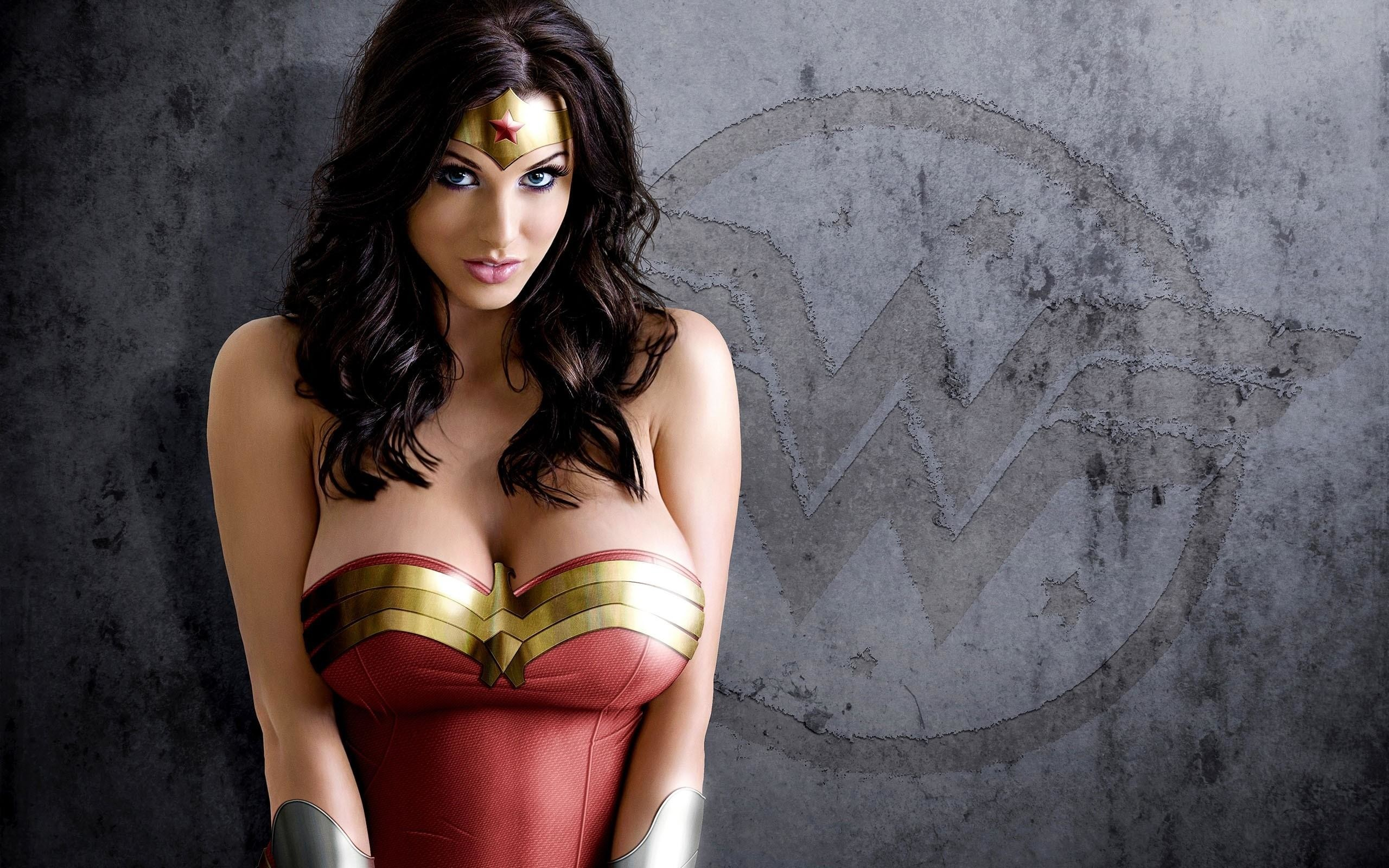 Wonder Woman Wallpapers: Burma Ricard, Browse And Download Free Pictures
