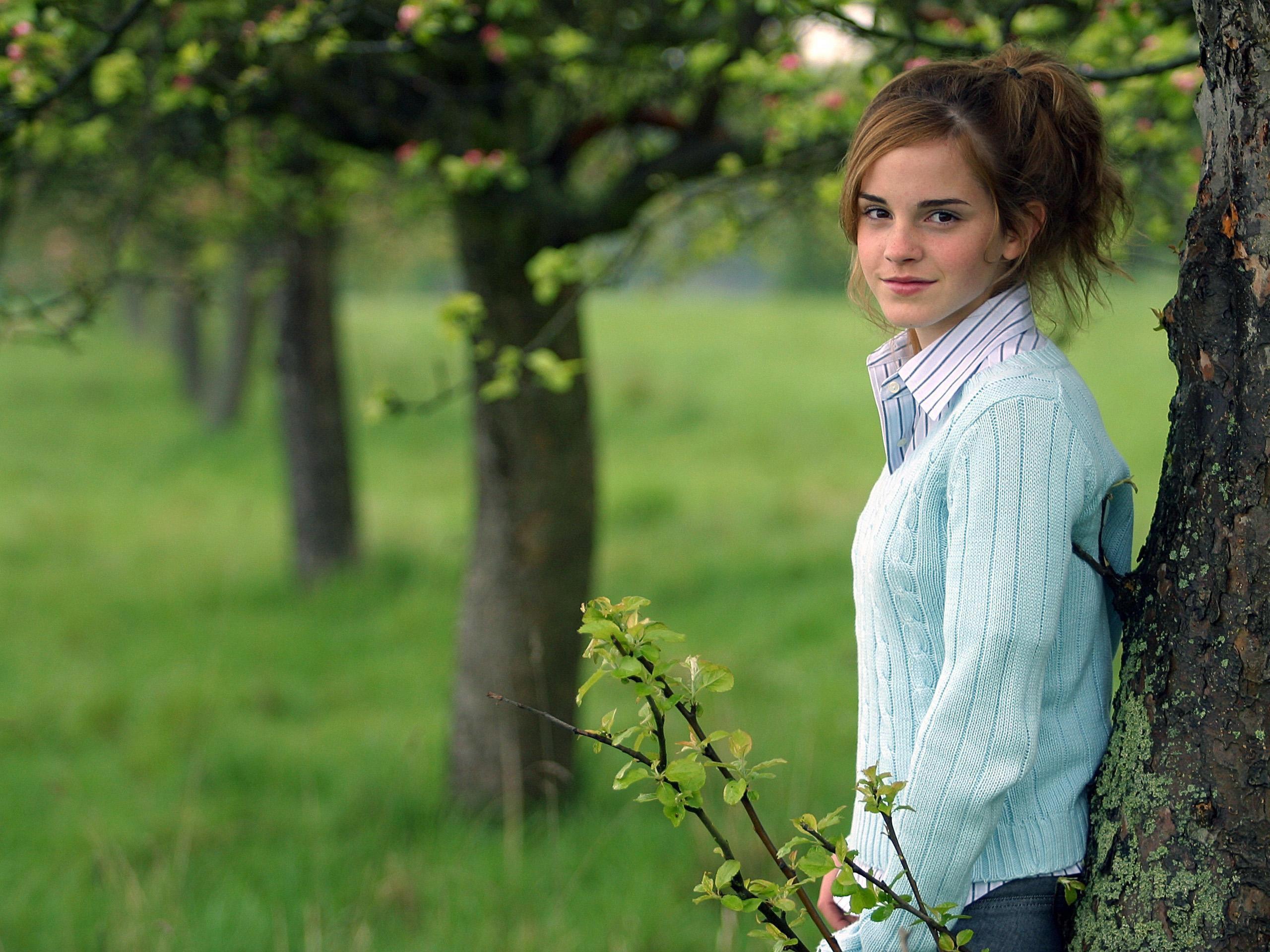 Emma Watson Smiling HD