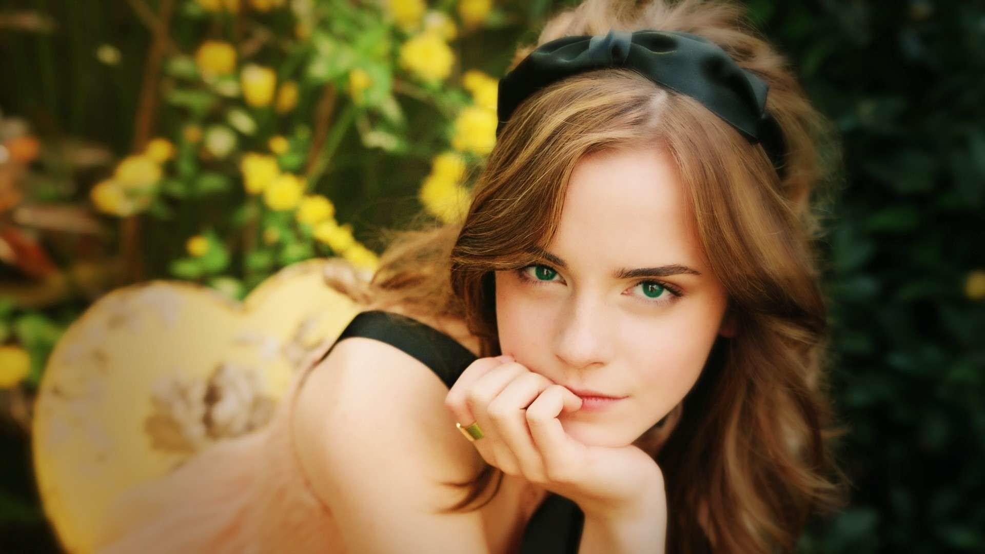 Emma Watson Black Tie HD Wallpaper. « »