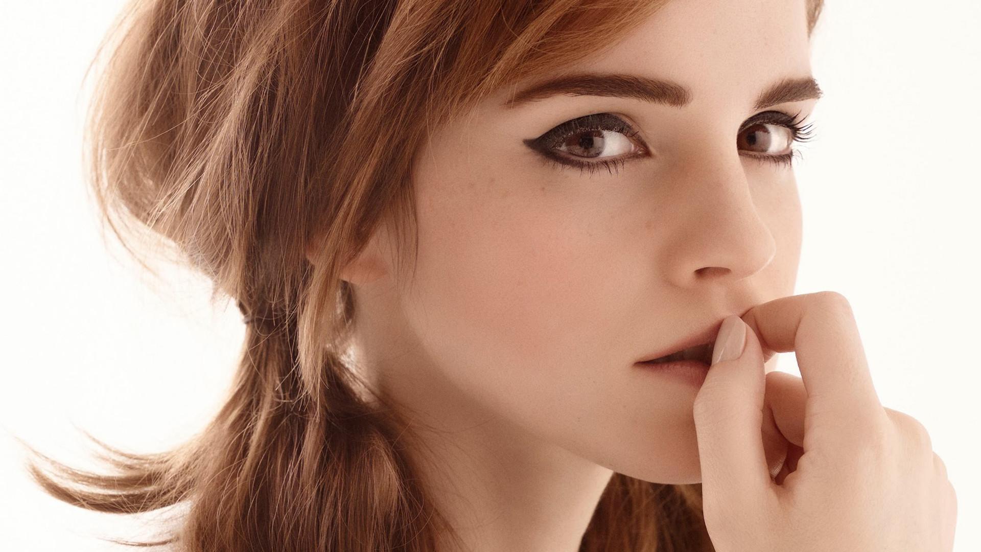Celebrity – Emma Watson Wallpaper