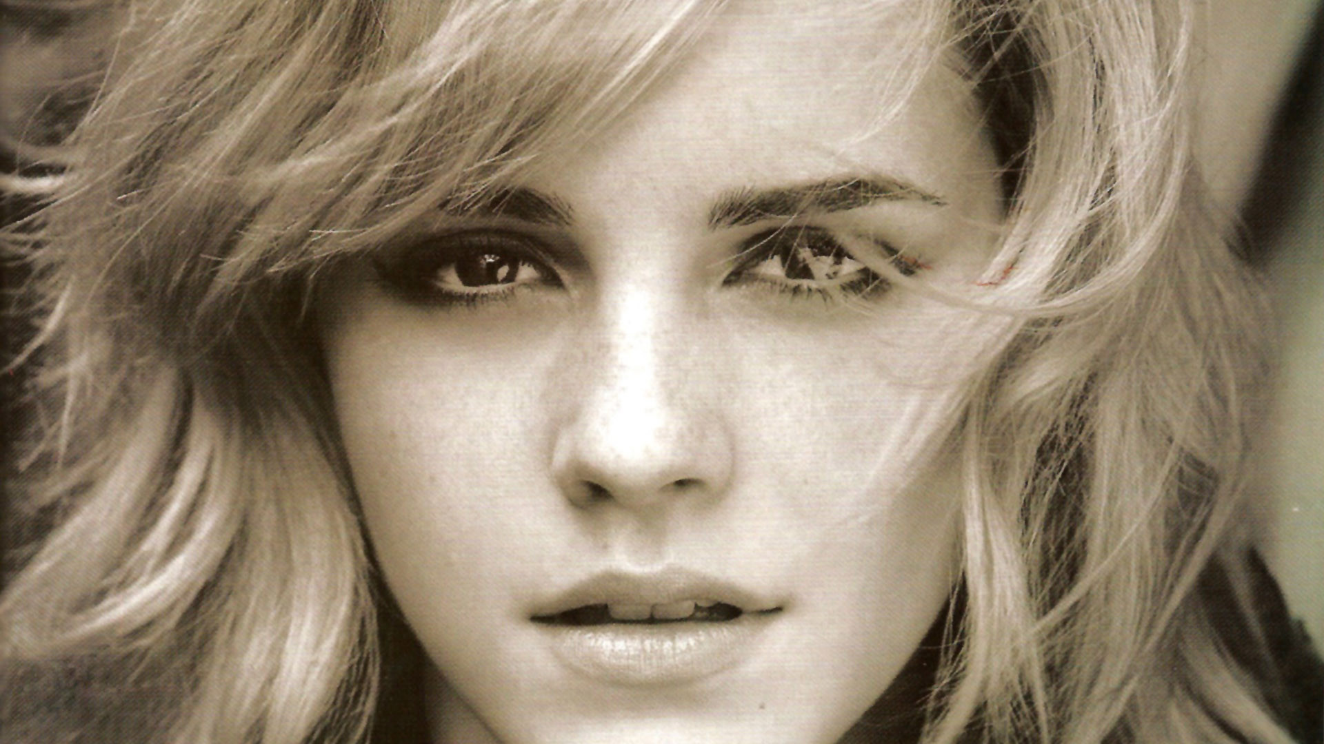 Emma Watson Android wallpapers