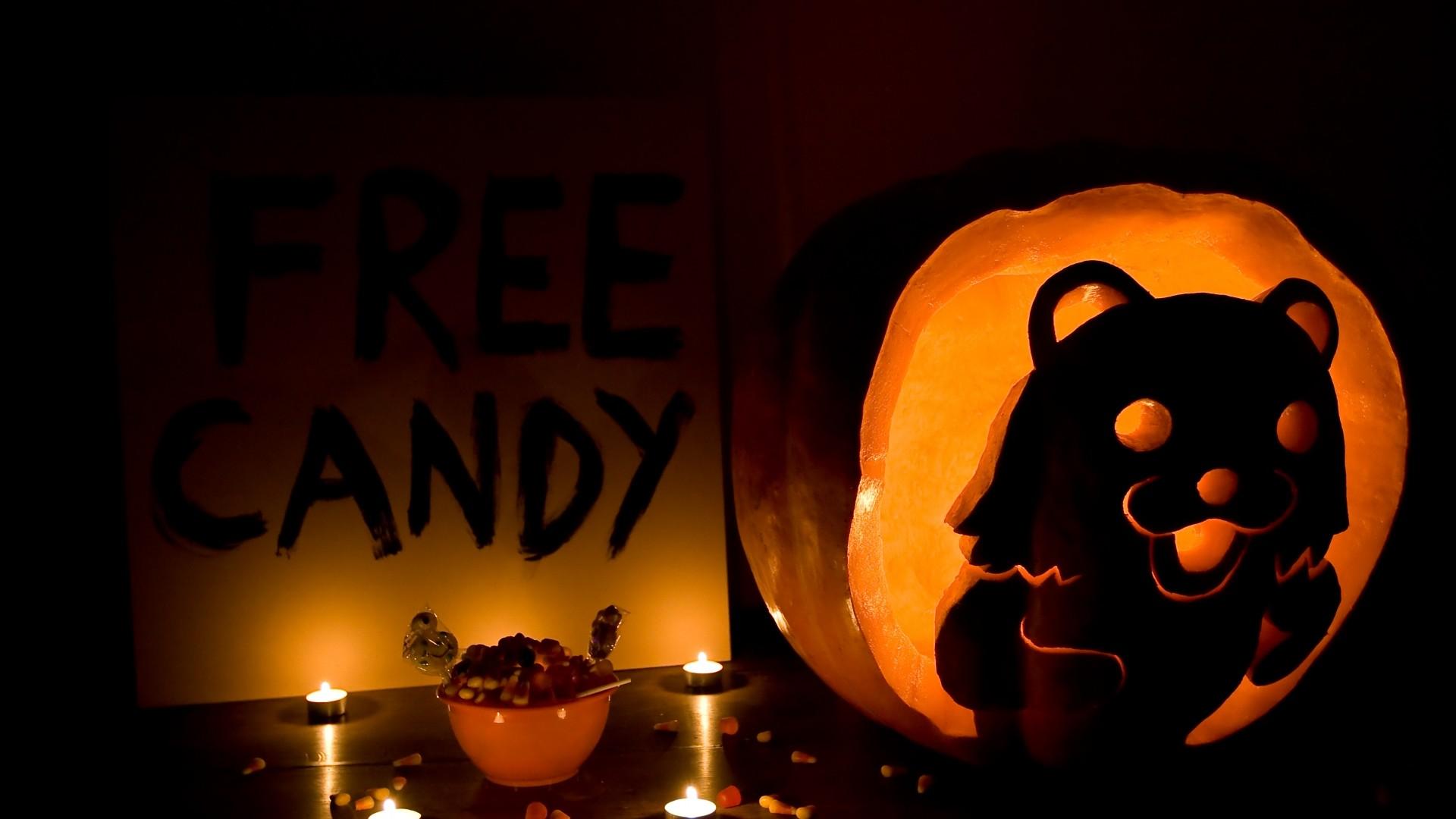 Free <b>Halloween</b> Animated <b>Desktop Wallpaper<