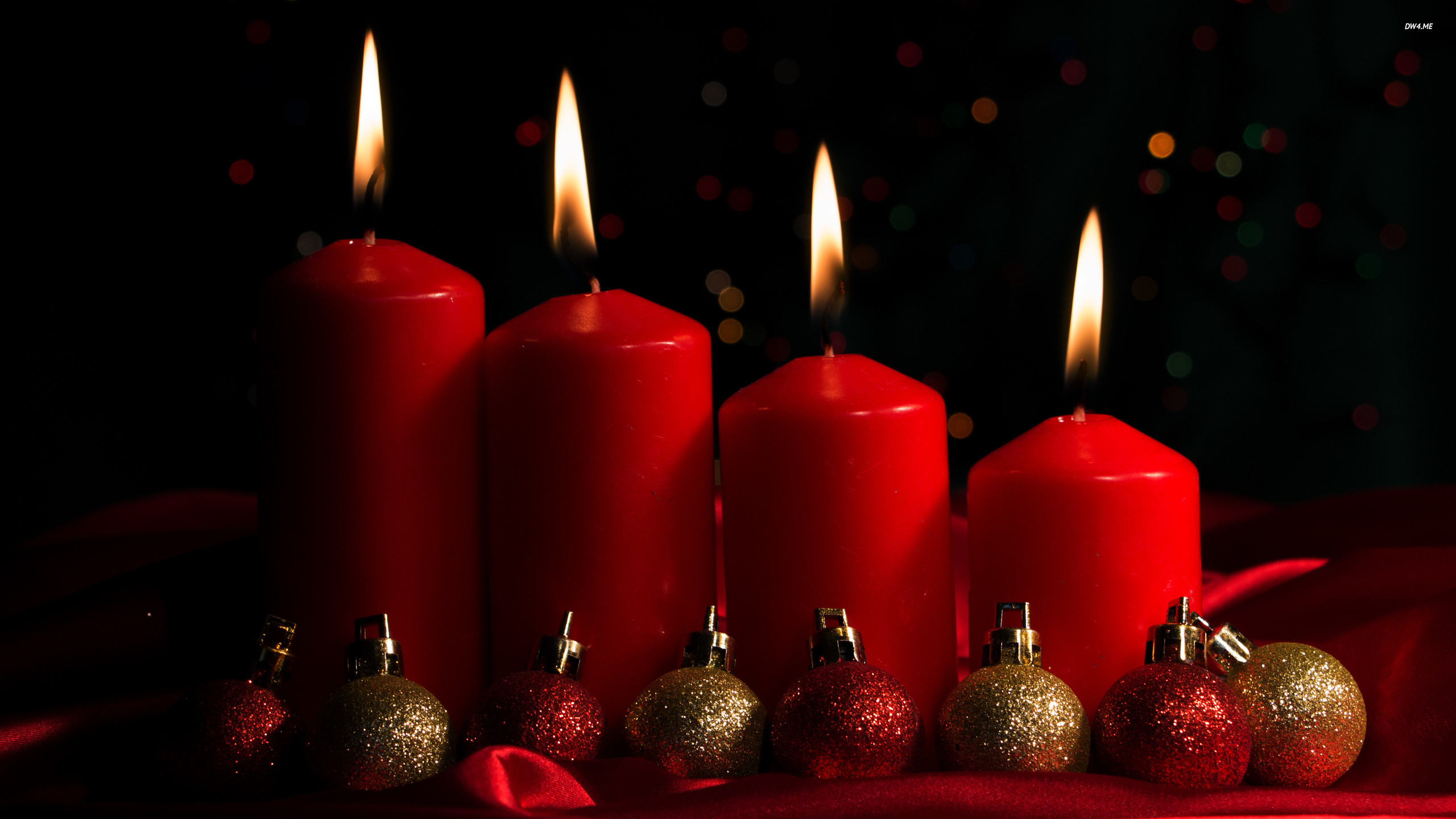 Filename: 3696-red-advent-candles-and-baubles-2560×1440-holiday-wallpaper .jpg