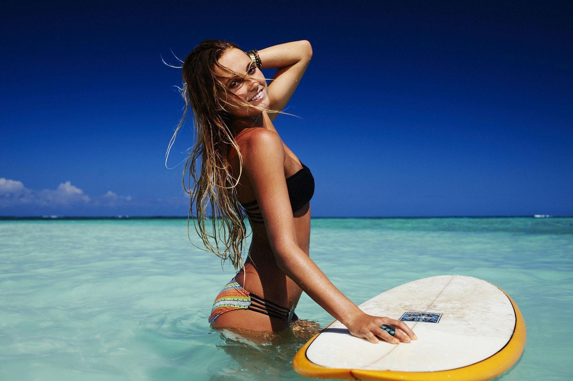 wallpaper.wiki-Hot-surfing-girl-wallpaper-HD-PIC-